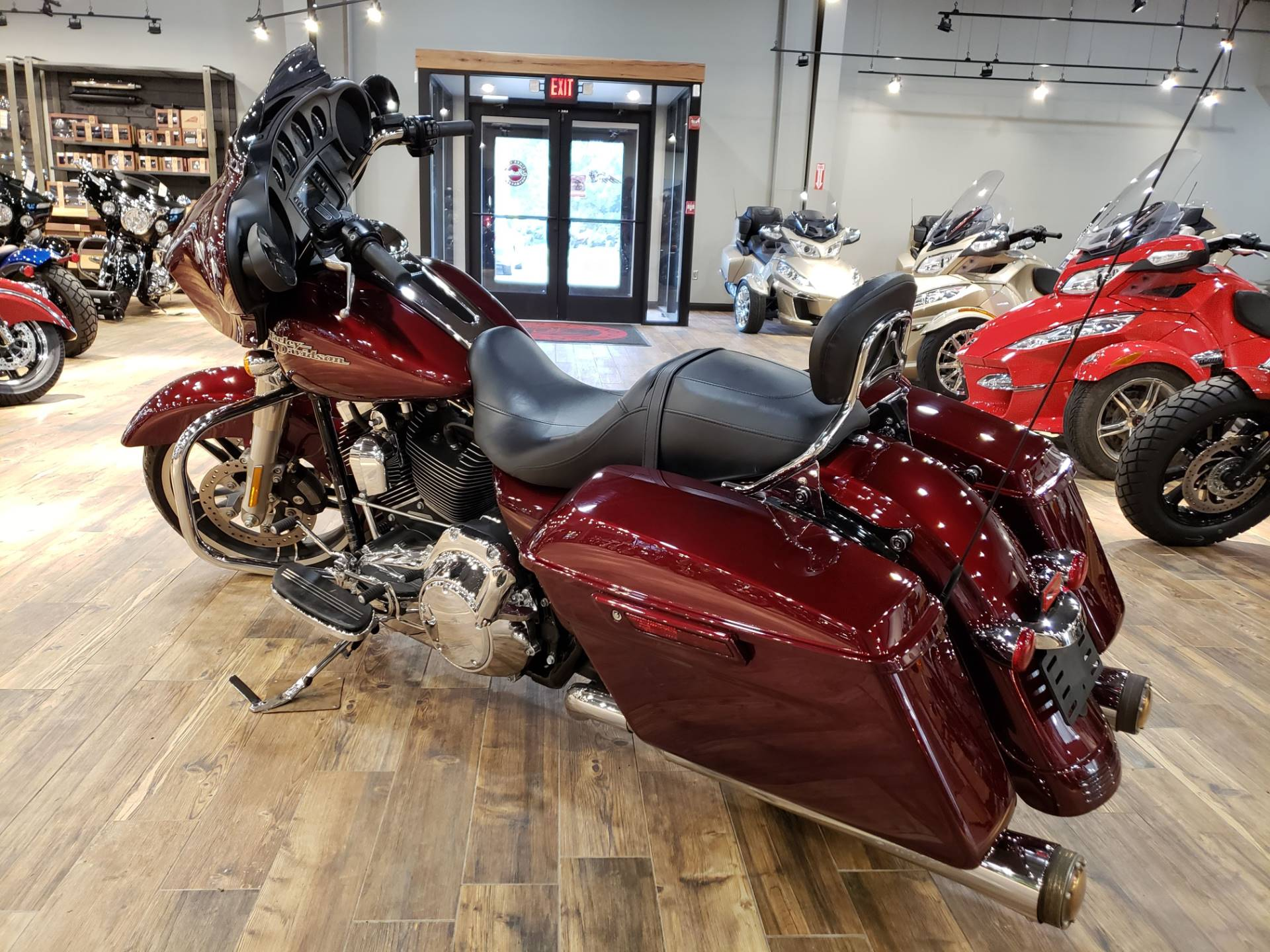 2015 Harley-Davidson Street Glide® in Mineral Wells, West Virginia