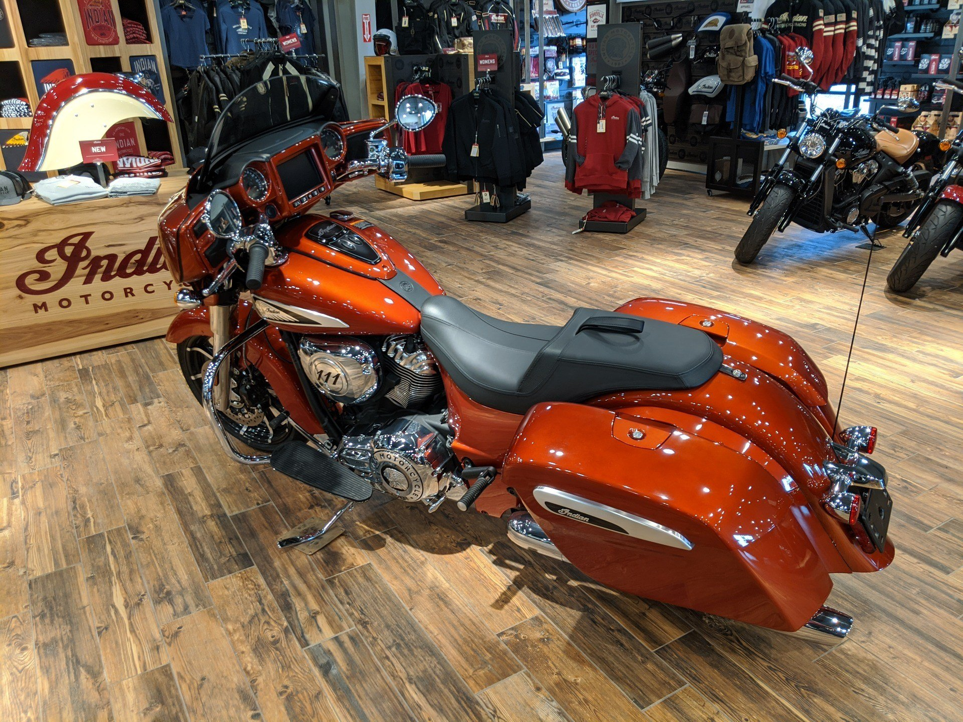 2019 Indian Chieftain® Limited Icon Series in Mineral Wells, West Virginia - Photo 5