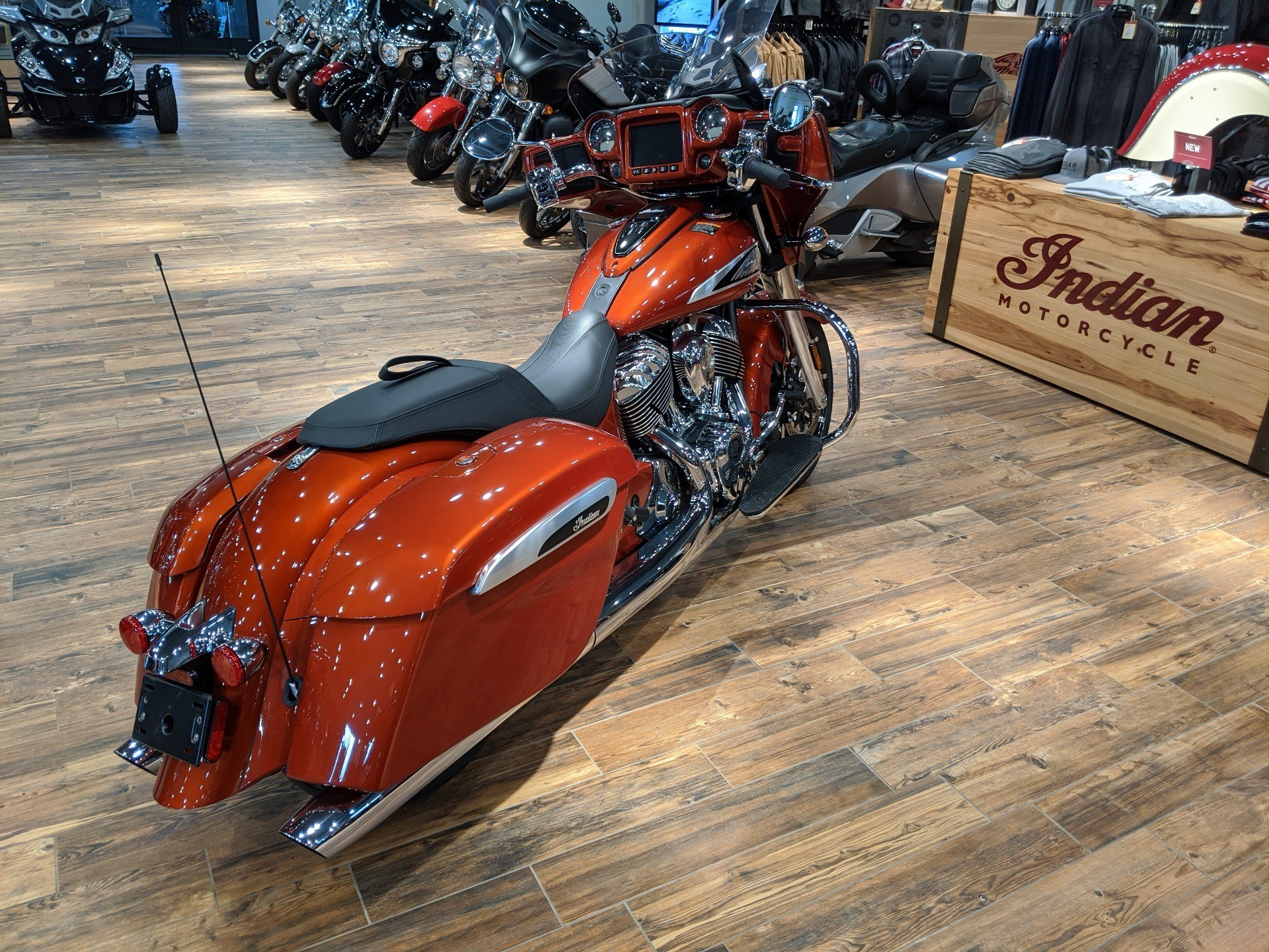 2019 Indian Chieftain® Limited Icon Series in Mineral Wells, West Virginia - Photo 7