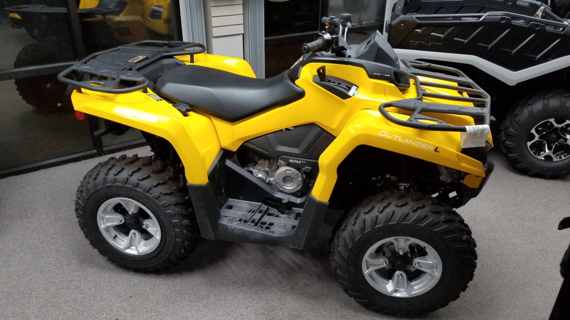 2016 Can-Am Outlander L DPS 450 in Mineral Wells, West Virginia