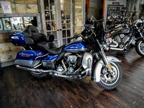 2017 Harley-Davidson Ultra Limited in Pensacola, Florida - Photo 2