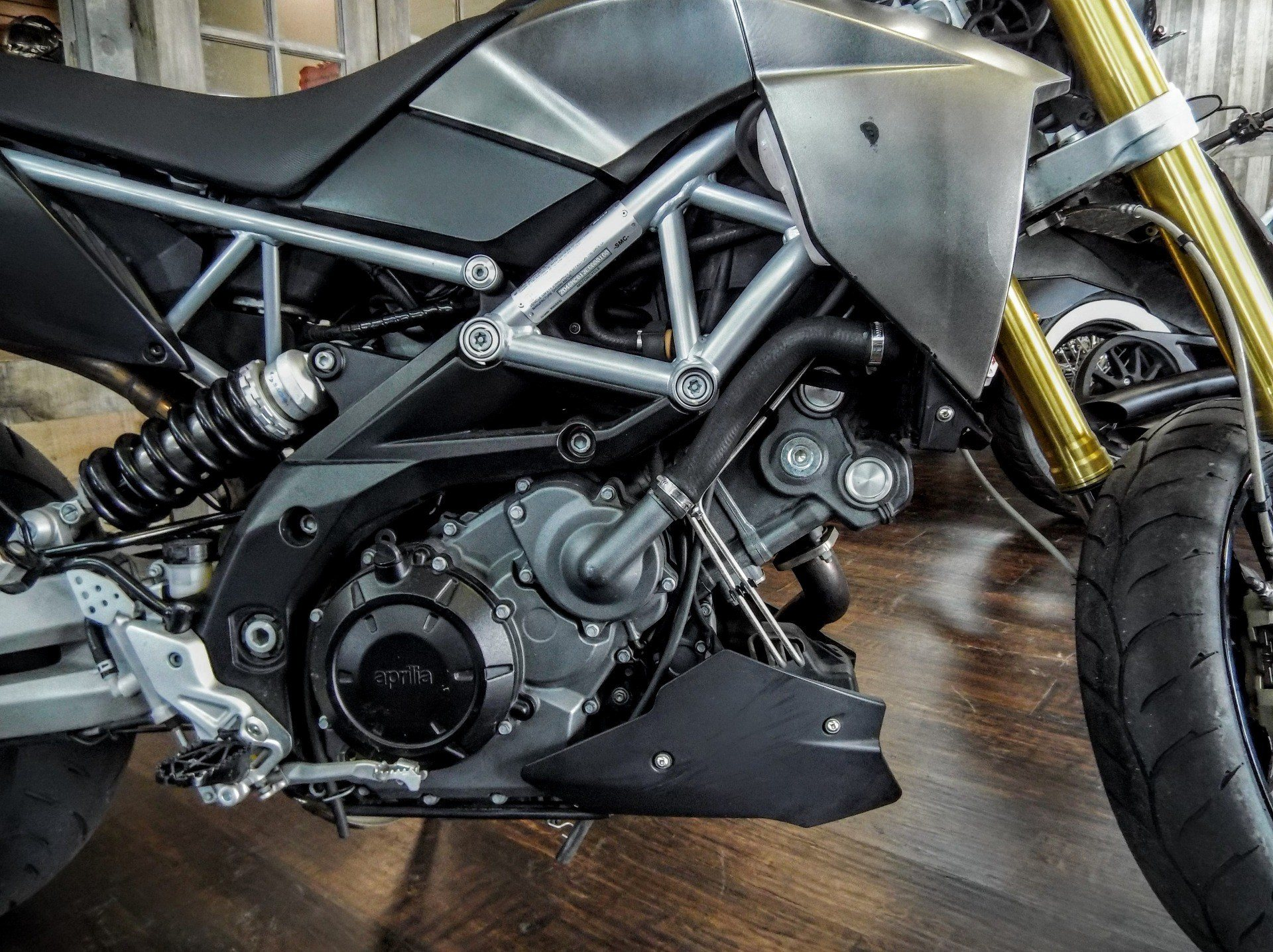 2014 Aprilia Dorsoduro 750 ABS in Pensacola, Florida - Photo 4