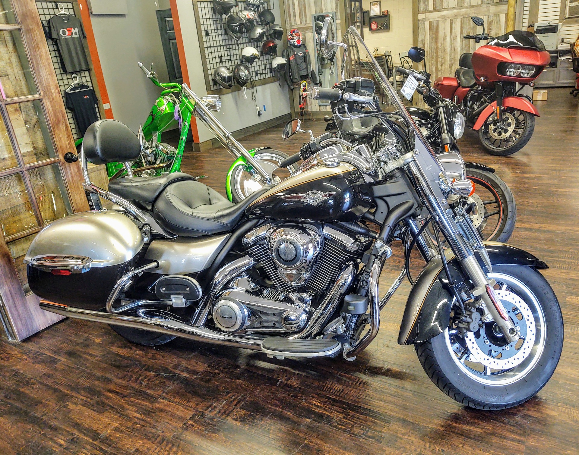 2013 Kawasaki Vulcan® 1700 Nomad™ in Pensacola, Florida - Photo 2