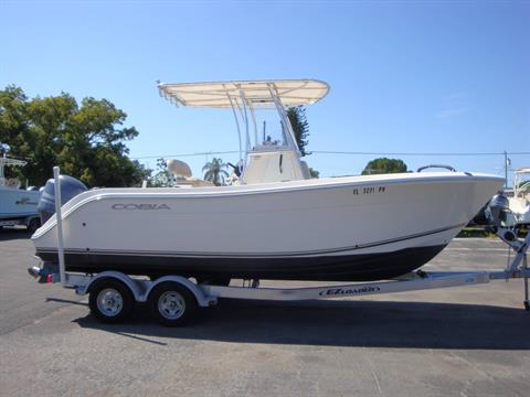 2015 Cobia 217 Center Console in Holiday, Florida