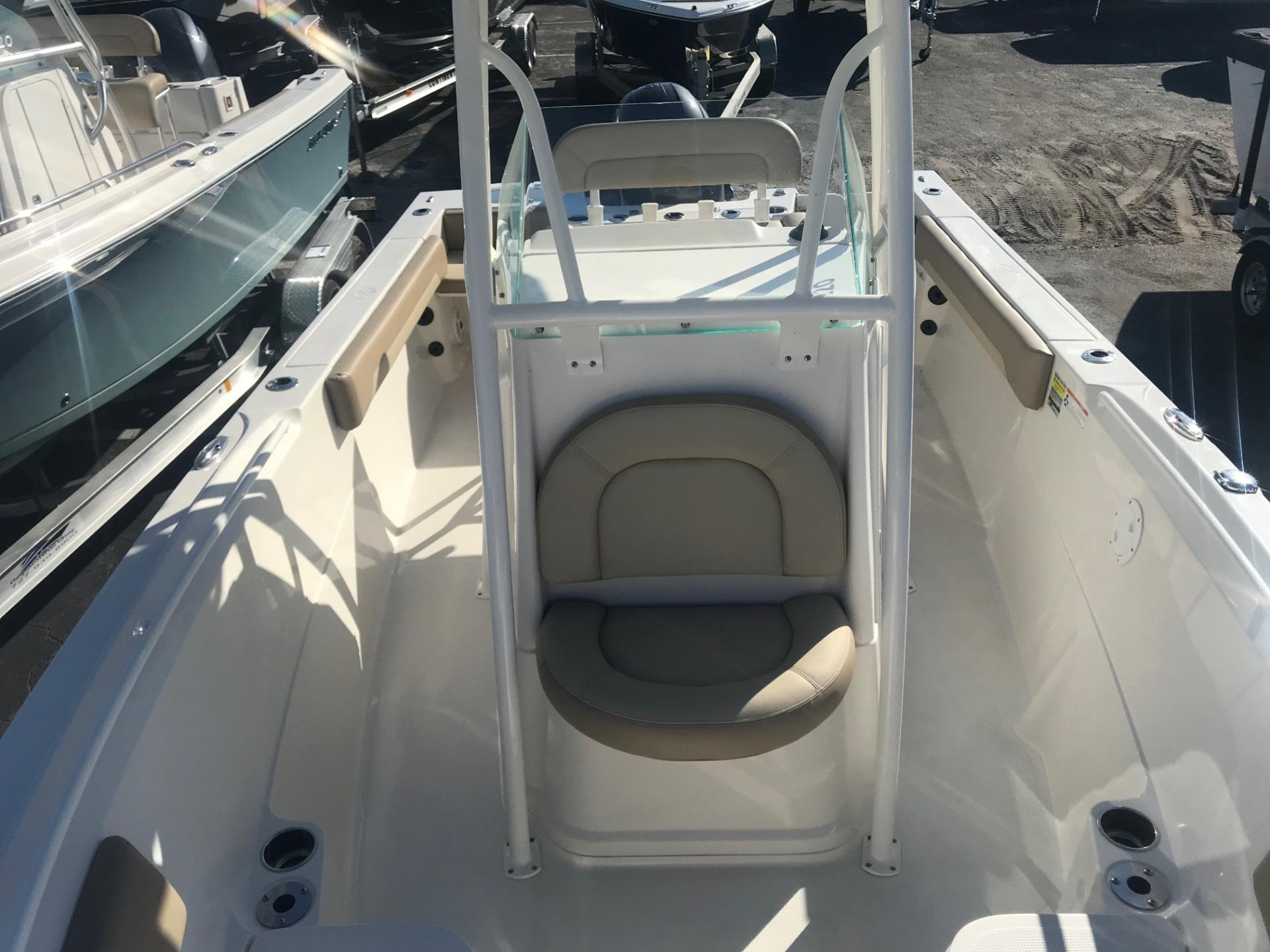 2018 Sailfish 220 CC in Holiday, Florida