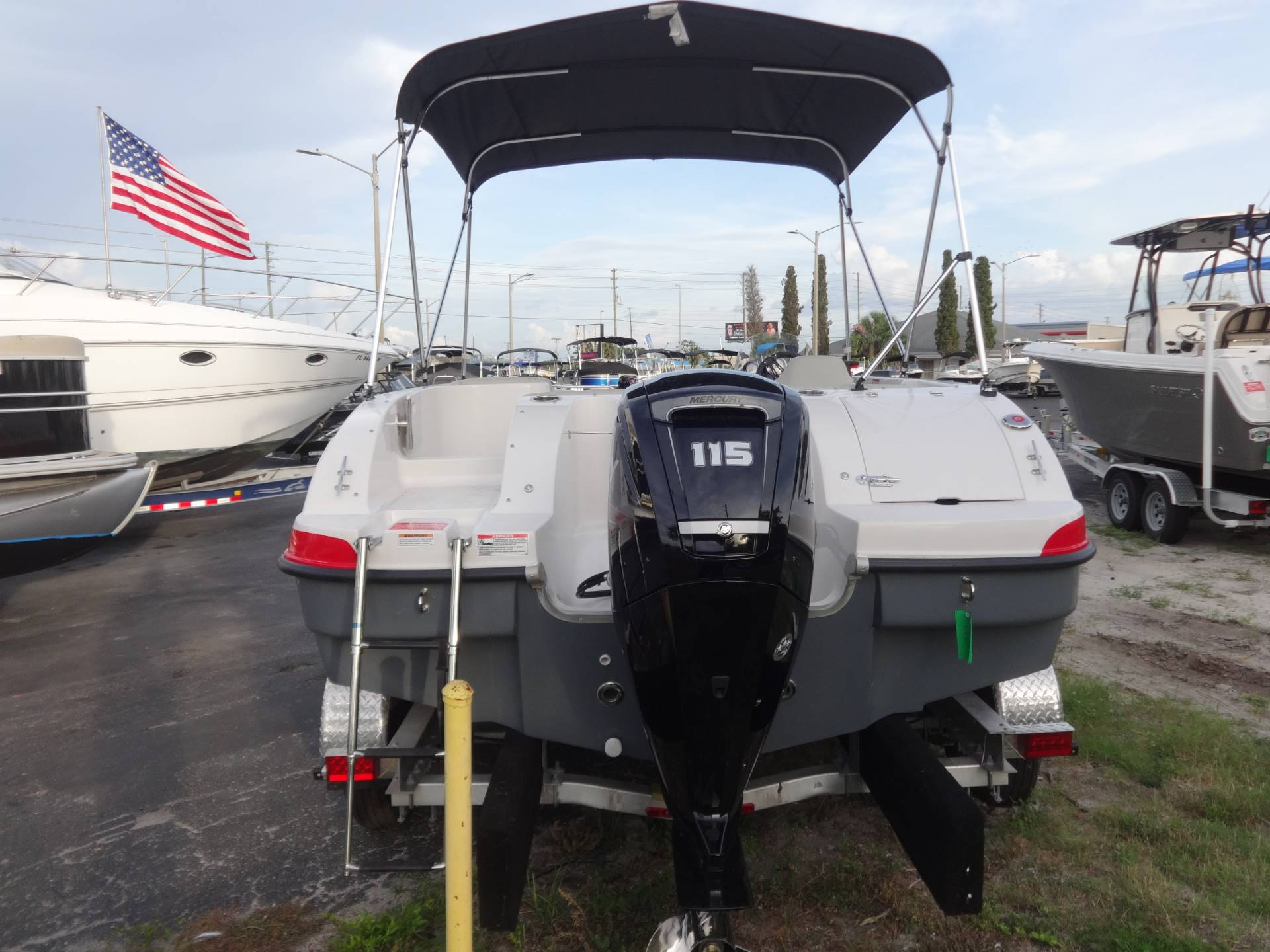 2018 Starcraft Limited 1915 OB in Holiday, Florida