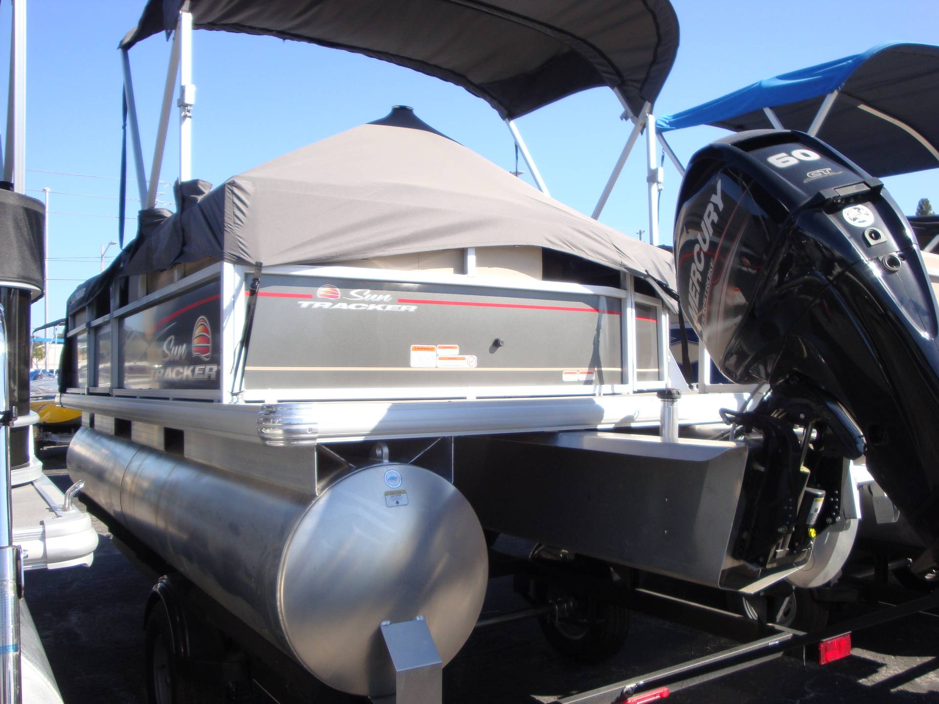 2019 Sun Tracker Party Barge 18 DLX in Holiday, Florida - Photo 3