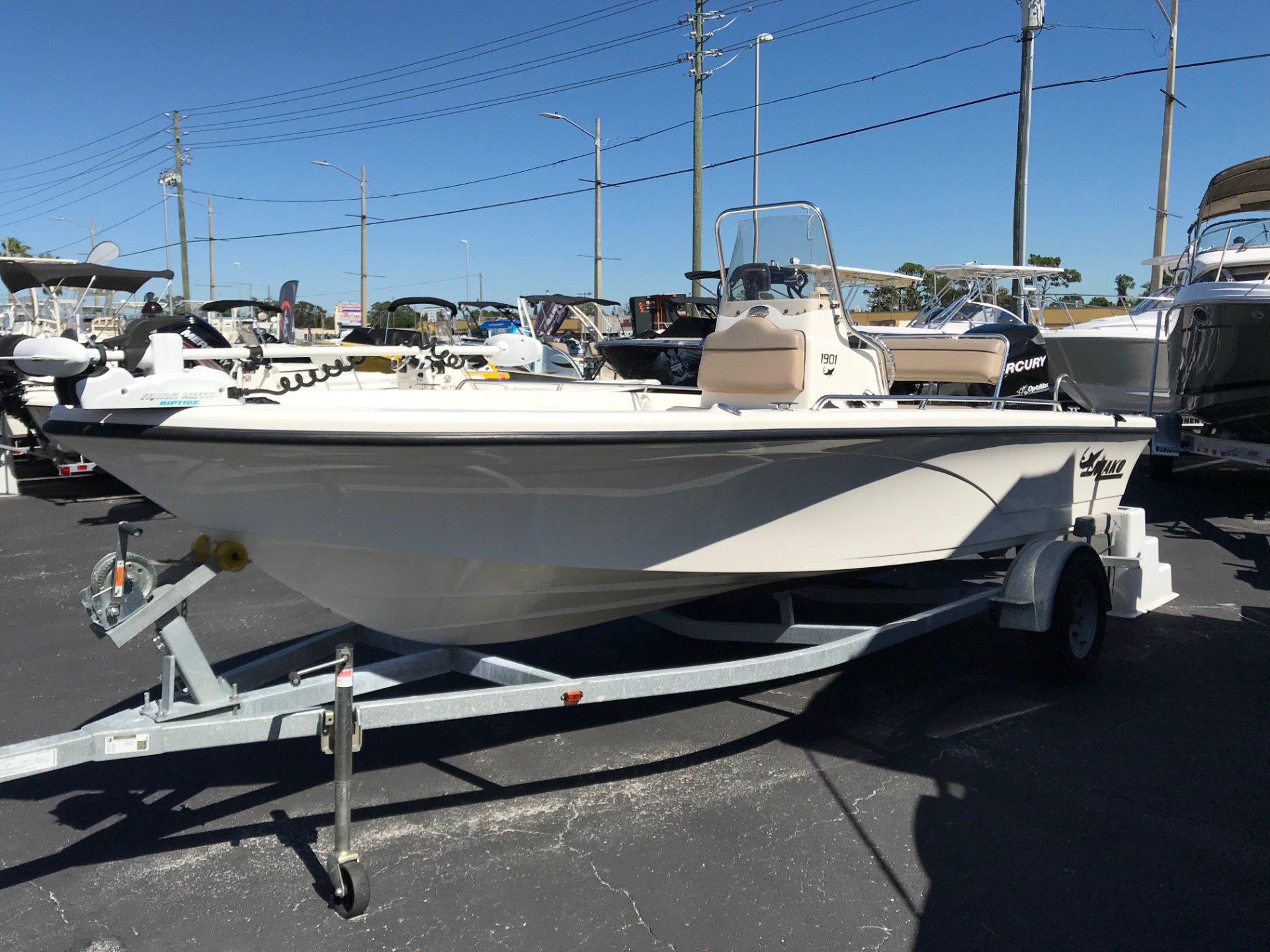 2010 Mako 1901 Inshore in Holiday, Florida