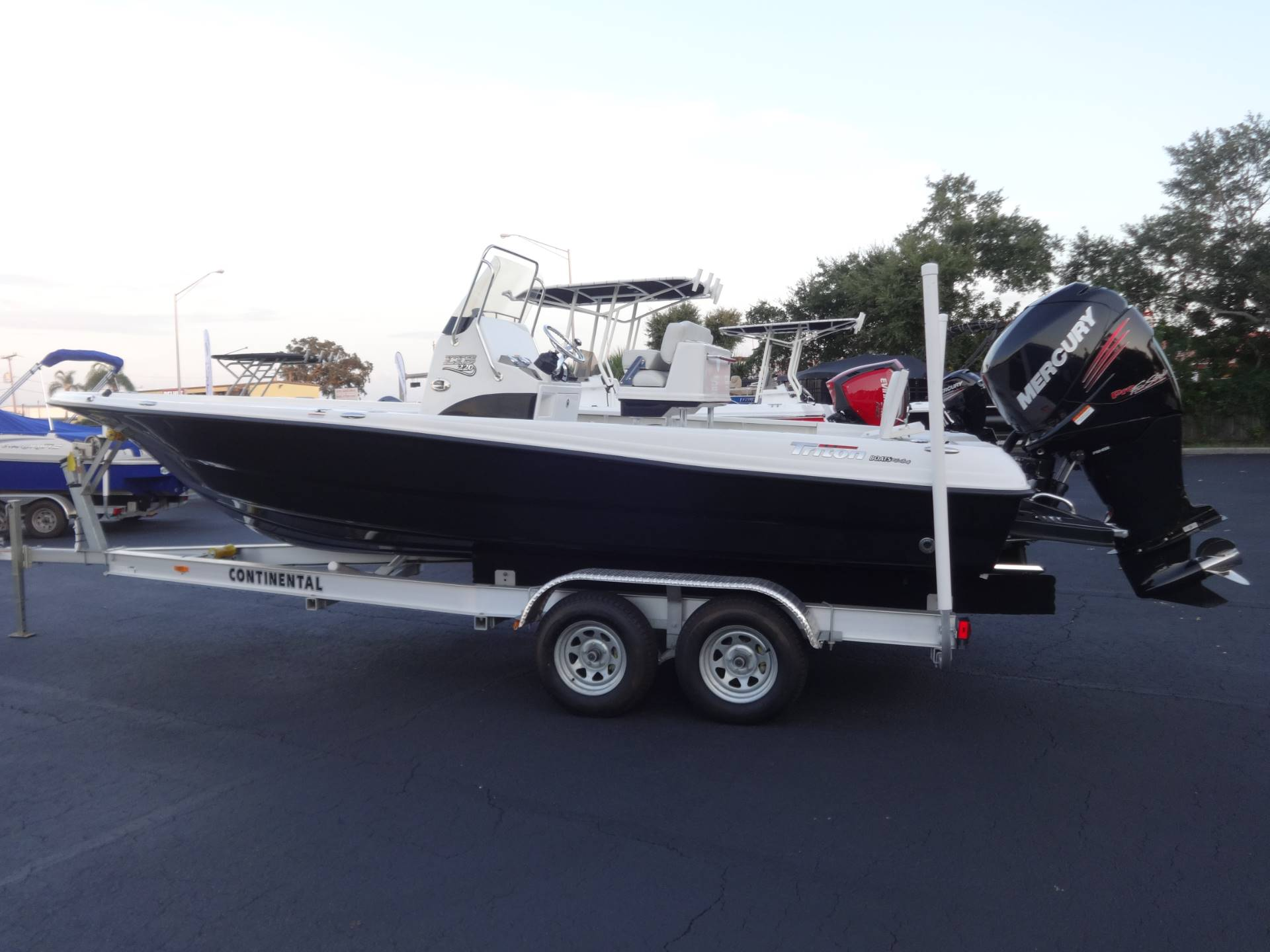 2018 Triton 220 LTS PRO in Holiday, Florida - Photo 7