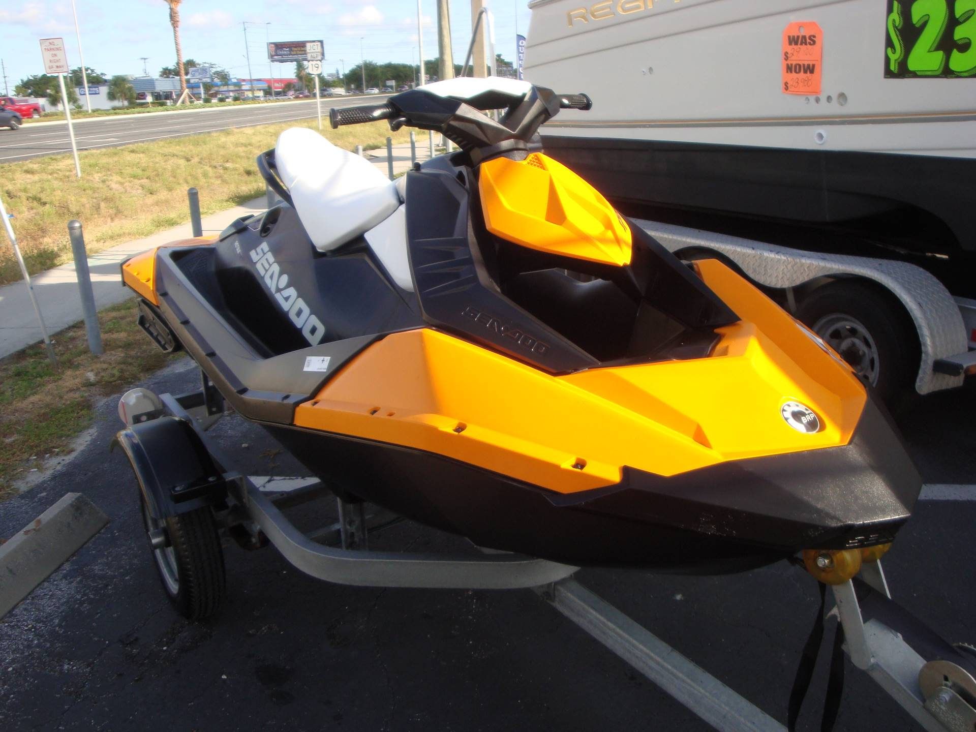 2015 Sea-Doo Spark 2up Rotax® 900 ACE™ in Holiday, Florida - Photo 3