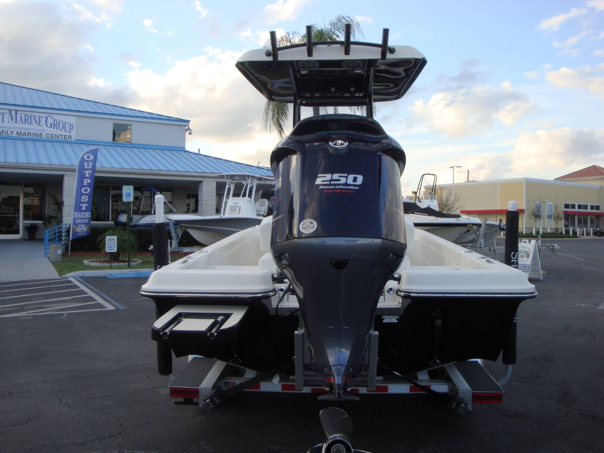 2019 ShearWater 23LTZ in Holiday, Florida - Photo 12