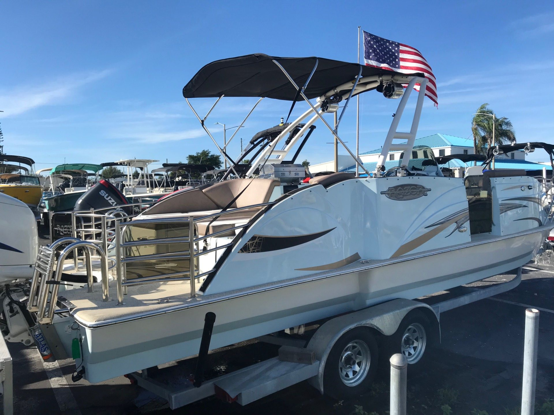 2017 Caravelle Razor 257UR Etoon in Holiday, Florida