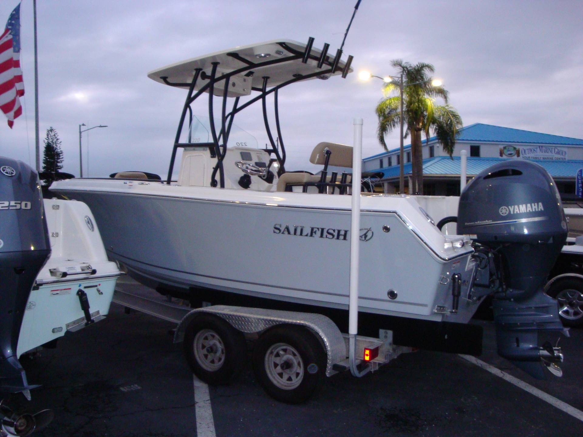 2019 Sailfish 220 CC in Holiday, Florida