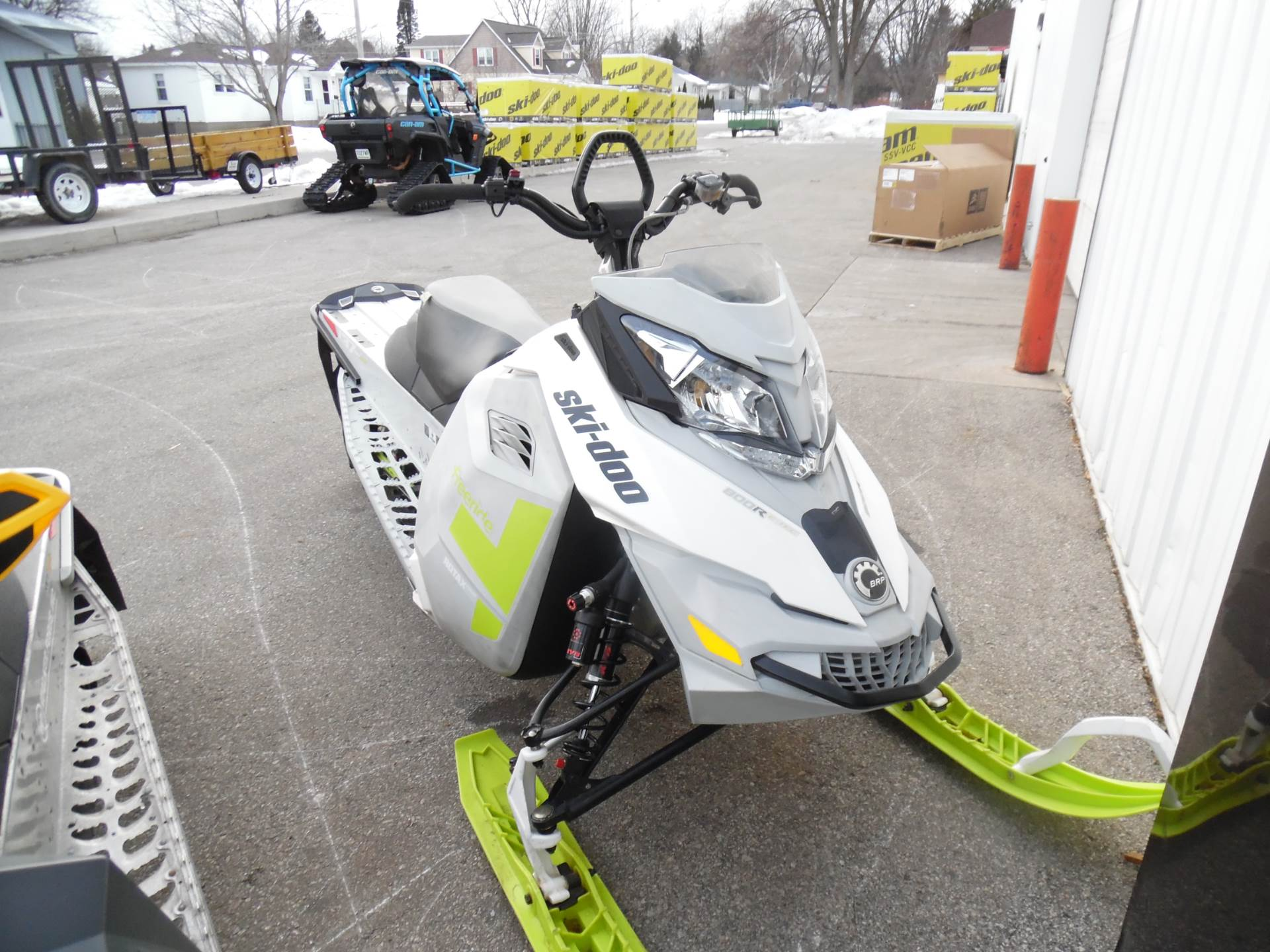 "2014 Freeride 137"" 800R E-TEC  Powdermax 1.75&quot"