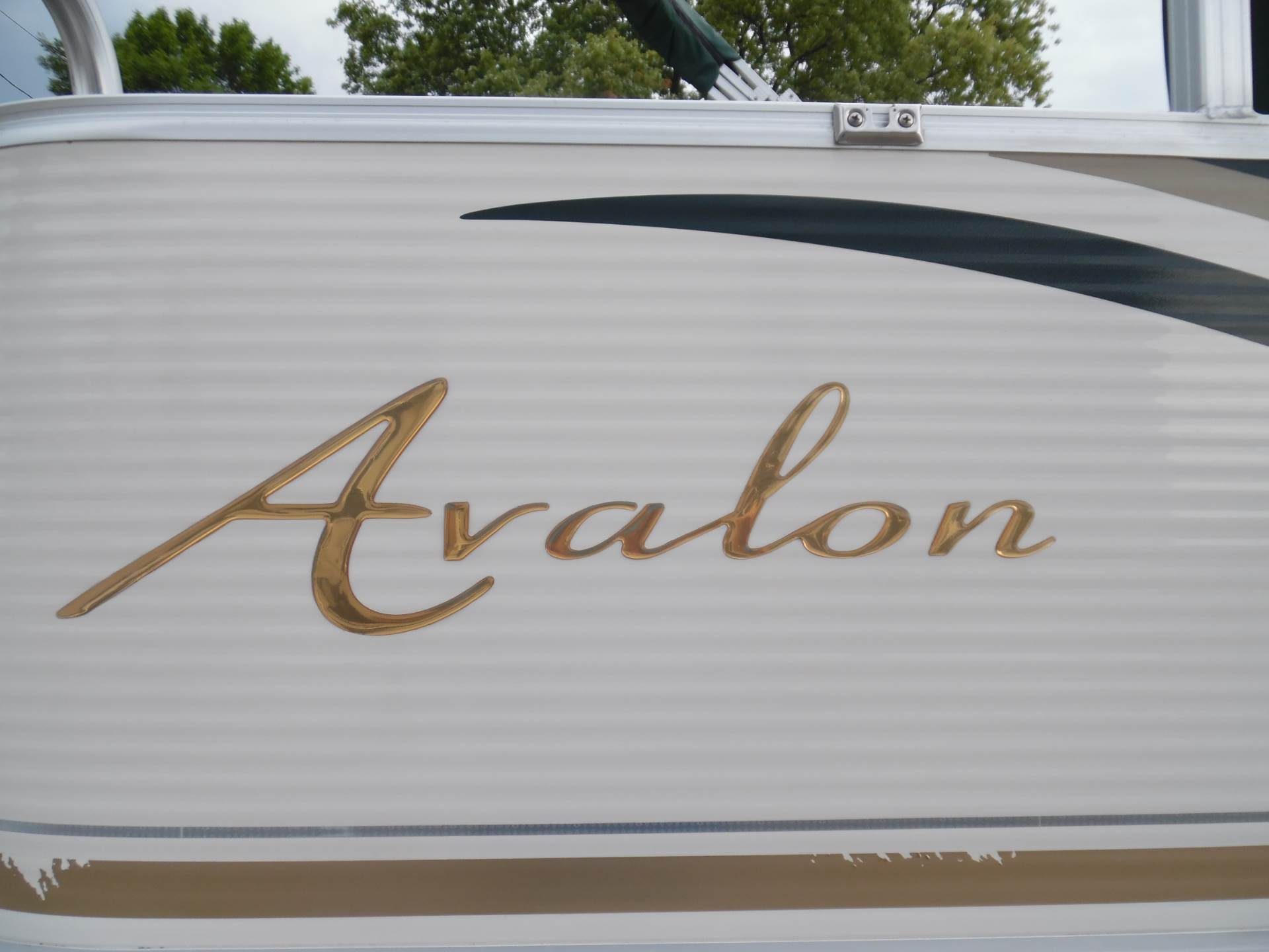 2009 Avalon Somerset - 20' in Menominee, Michigan