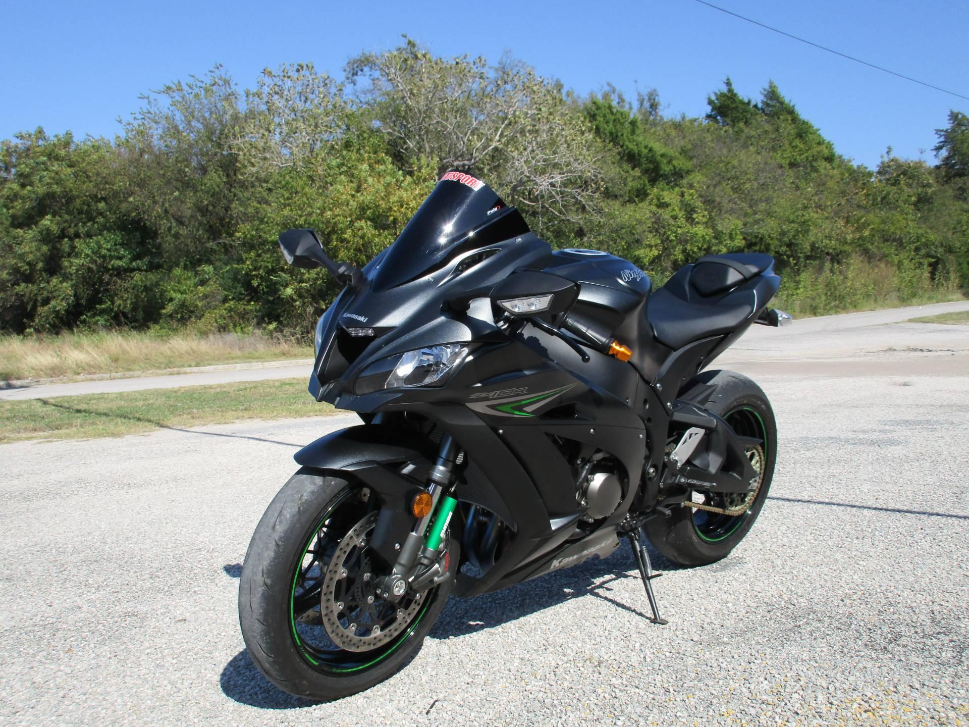 2016 Kawasaki Ninja ZX-10R in Gainesville, Texas