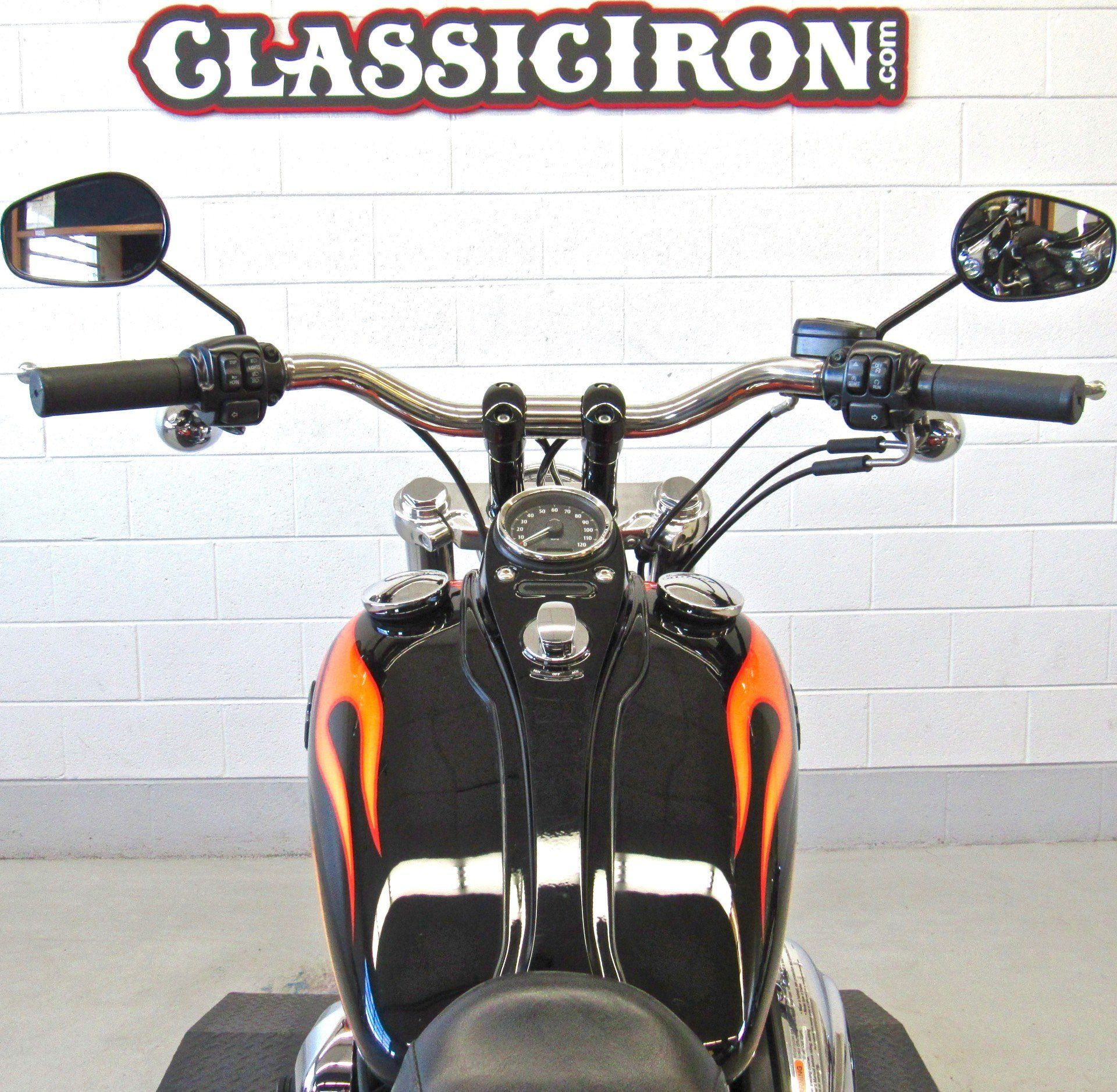 2012 Harley-Davidson Dyna® Wide Glide® in Fredericksburg, Virginia - Photo 10