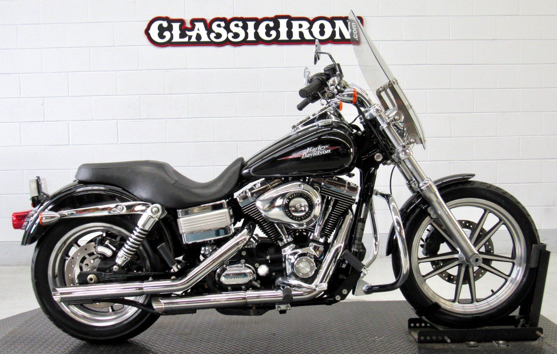 2009 Harley-Davidson Dyna® Low Rider® in Fredericksburg, Virginia - Photo 1