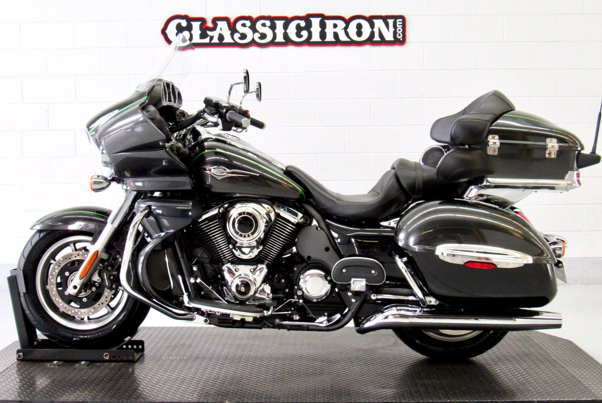 2015 Kawasaki Vulcan® 1700 Voyager® ABS in Fredericksburg, Virginia - Photo 4