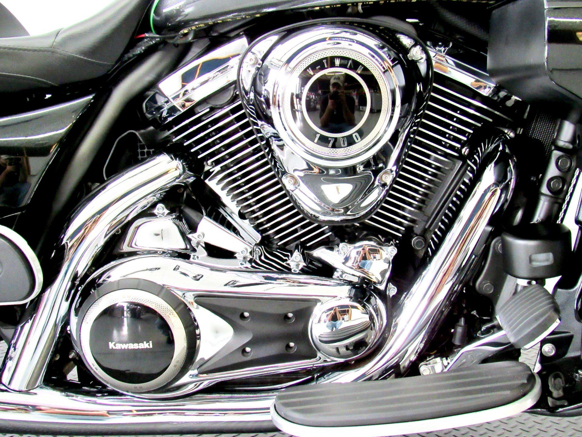 2015 Kawasaki Vulcan® 1700 Voyager® ABS in Fredericksburg, Virginia - Photo 15