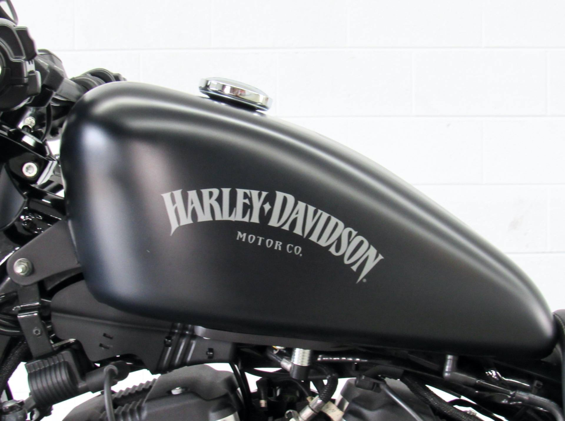 2015 Harley-Davidson Iron 883™ in Fredericksburg, Virginia - Photo 18