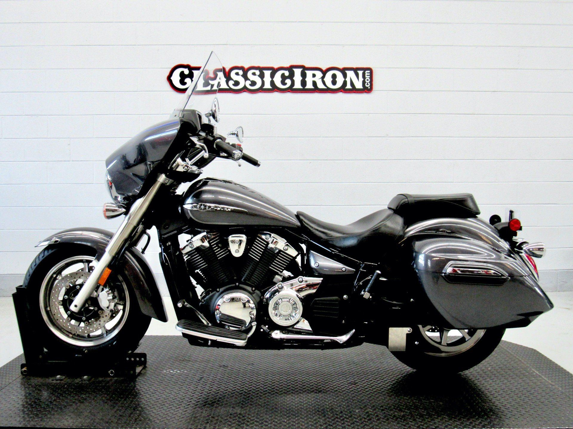 2014 Yamaha V Star 1300 Deluxe in Fredericksburg, Virginia - Photo 4