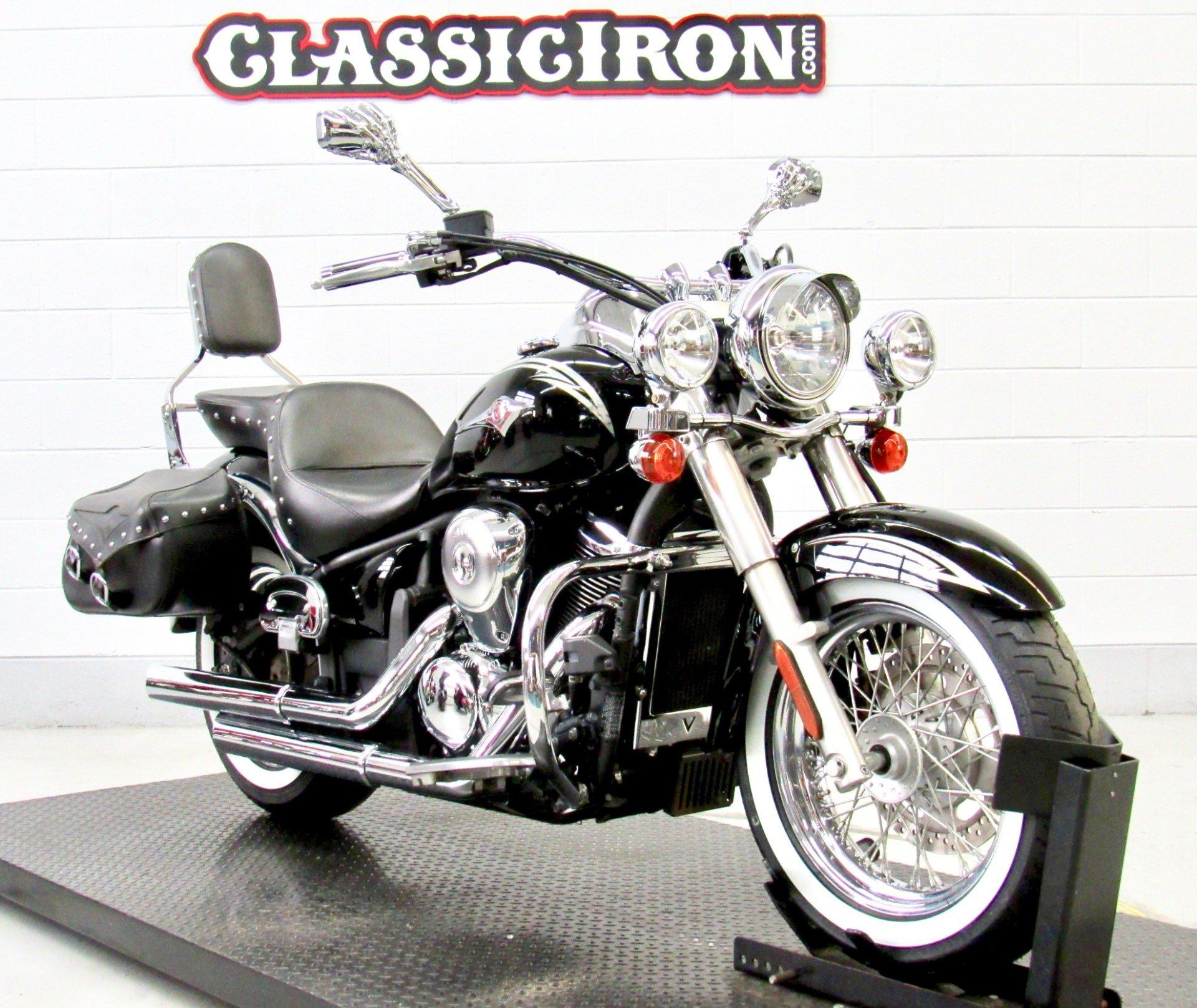 2011 Kawasaki Vulcan® 900 Classic SE in Fredericksburg, Virginia - Photo 2