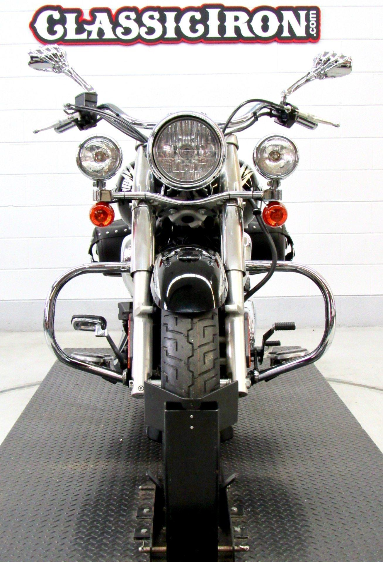 2011 Kawasaki Vulcan® 900 Classic SE in Fredericksburg, Virginia - Photo 7