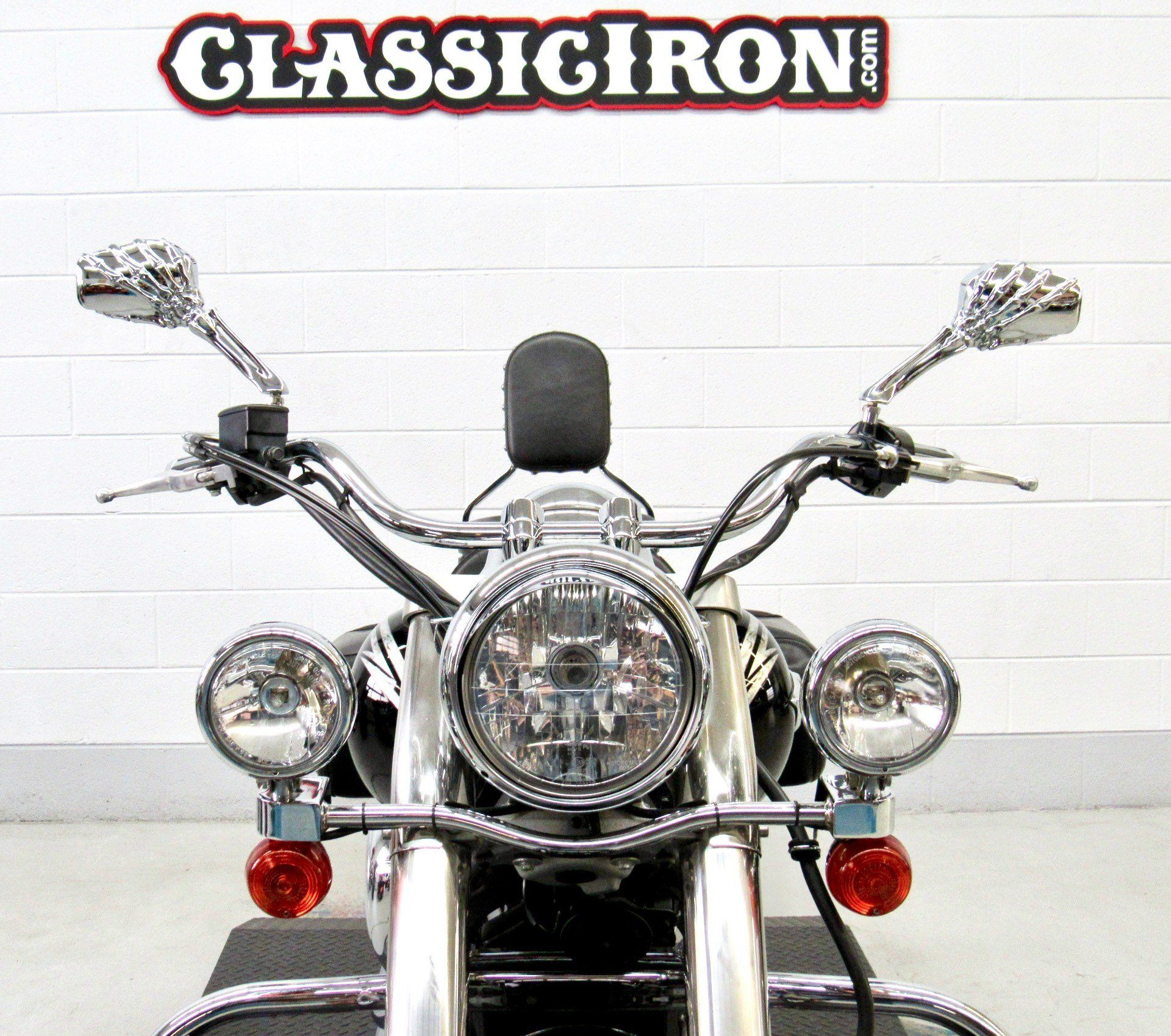 2011 Kawasaki Vulcan® 900 Classic SE in Fredericksburg, Virginia - Photo 8