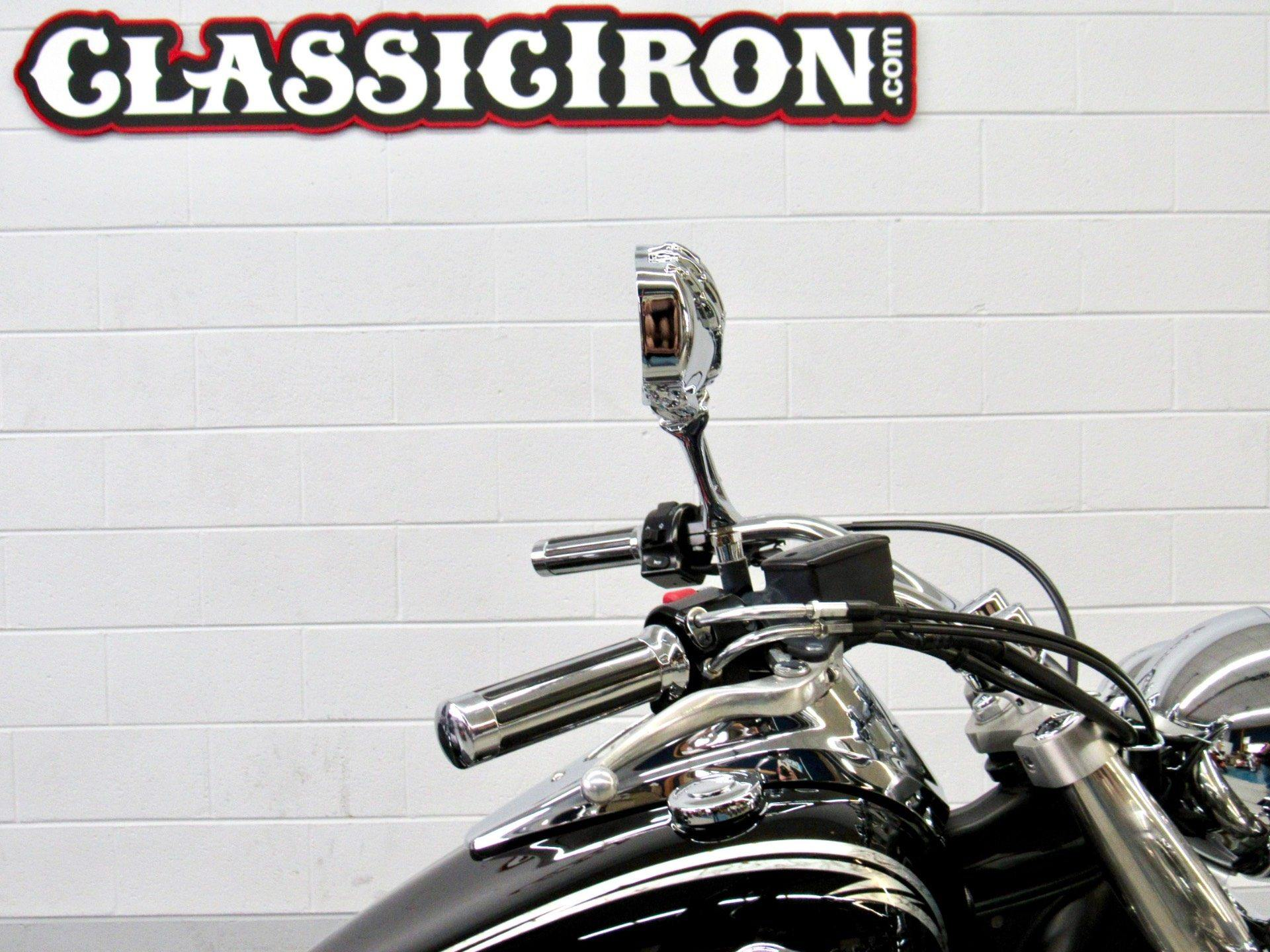 2011 Kawasaki Vulcan® 900 Classic SE in Fredericksburg, Virginia - Photo 12