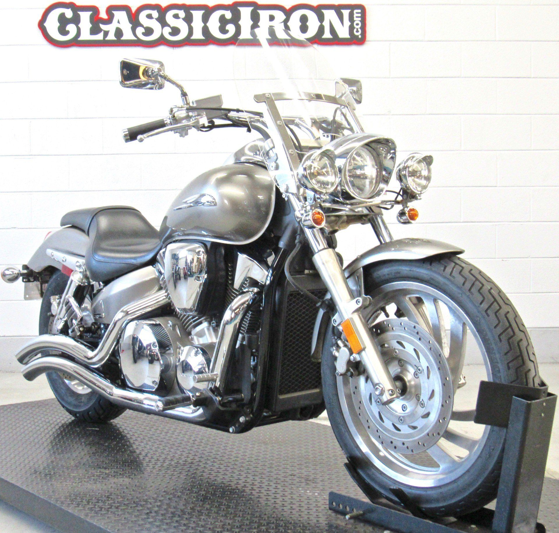 2009 Honda VTX®1300C in Fredericksburg, Virginia - Photo 3