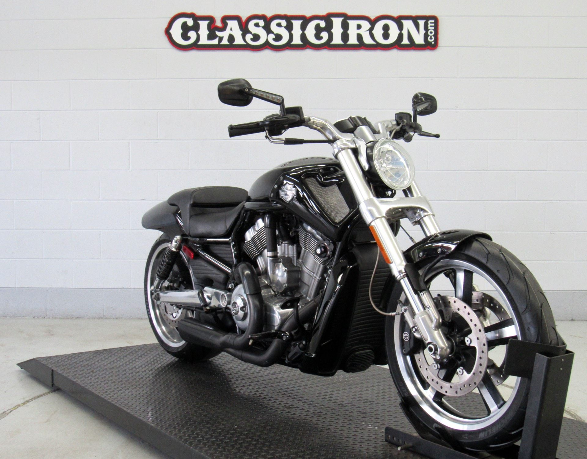2012 Harley-Davidson V-Rod Muscle® in Fredericksburg, Virginia - Photo 2
