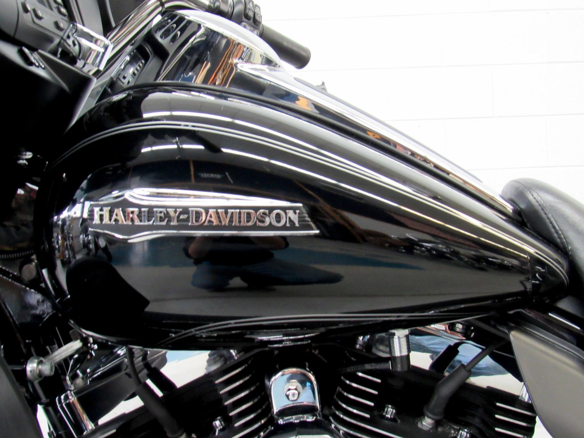 2016 Harley-Davidson Electra Glide® Ultra Classic® in Fredericksburg, Virginia - Photo 17