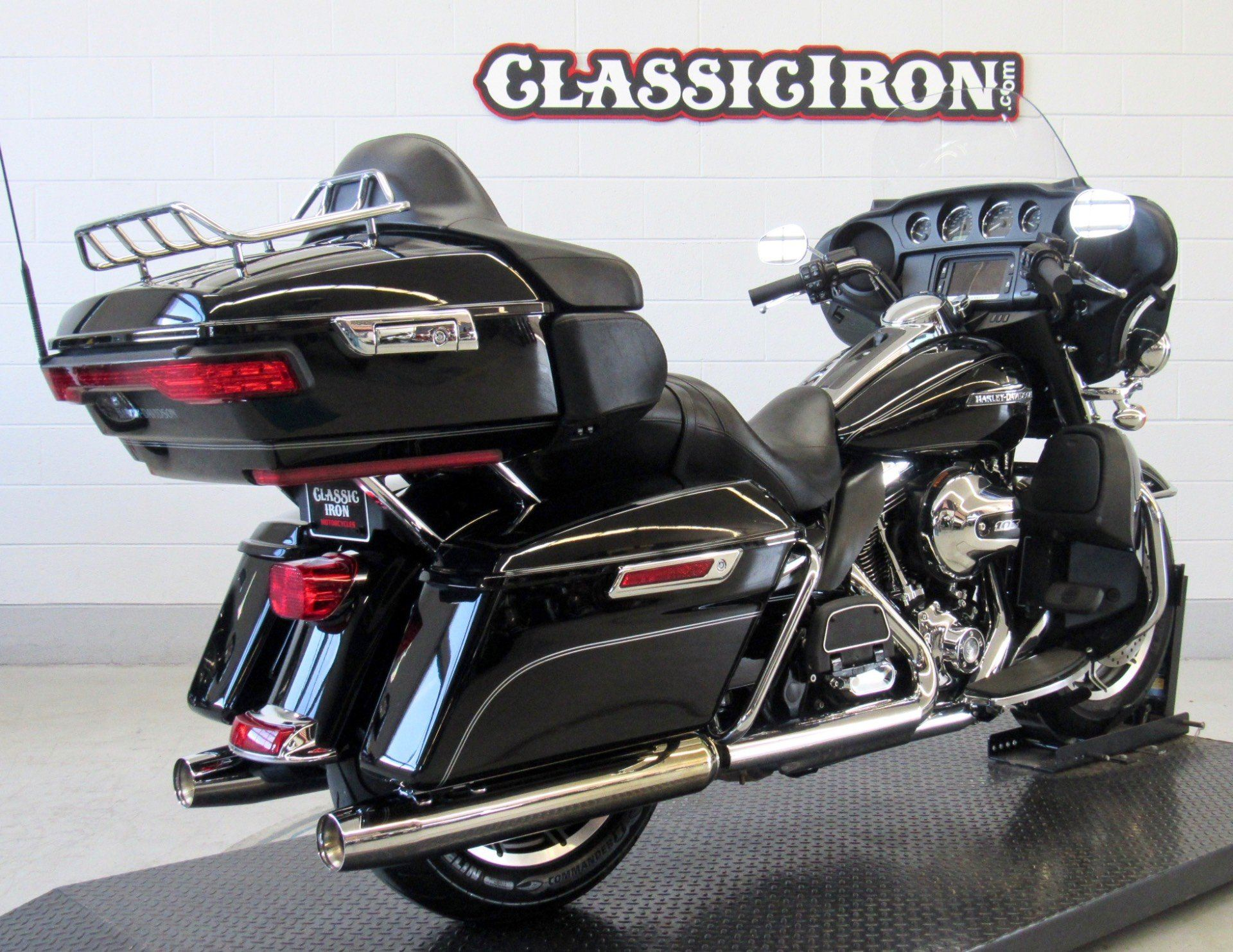 2016 Harley-Davidson Electra Glide® Ultra Classic® in Fredericksburg, Virginia - Photo 5