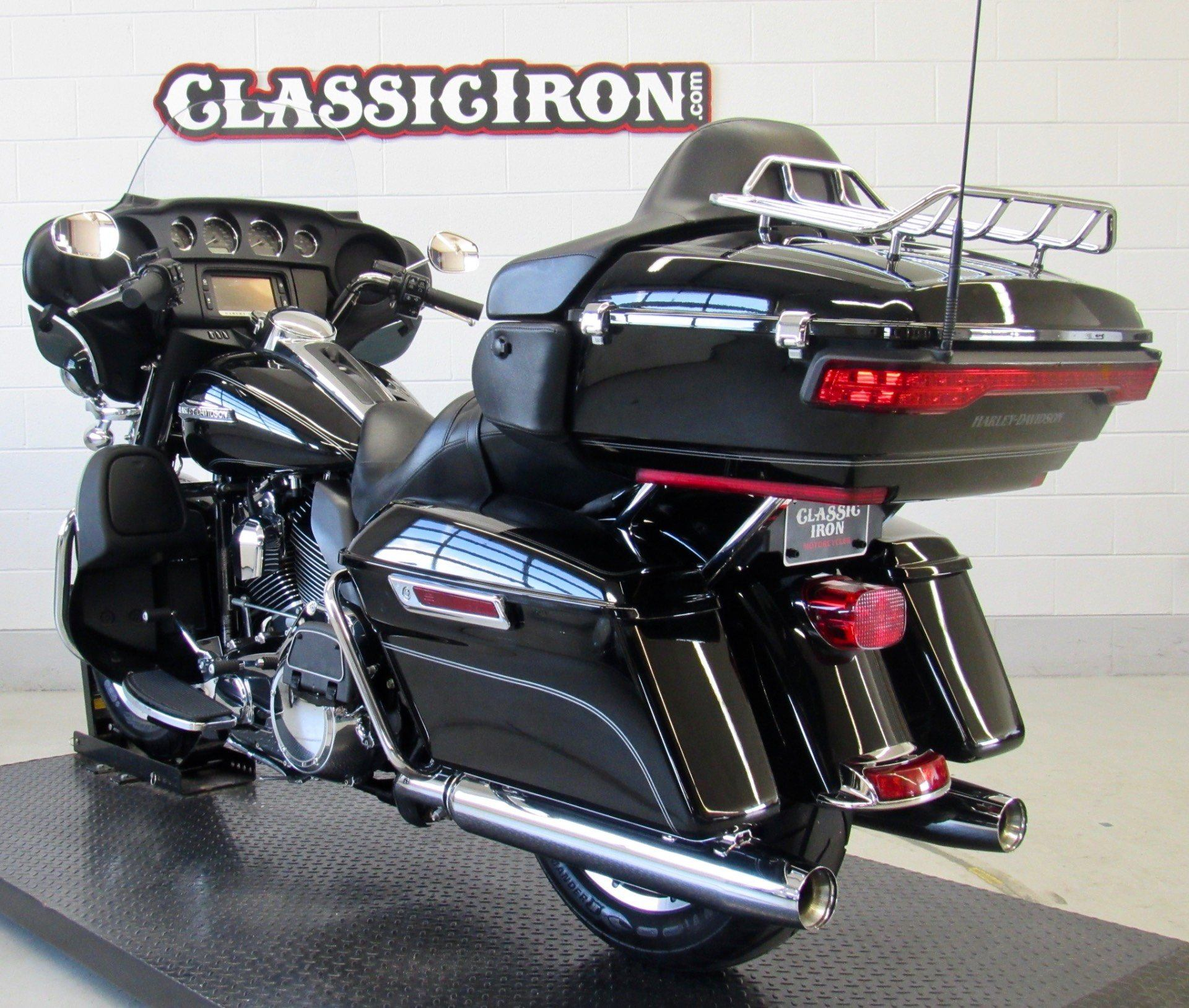 2016 Harley-Davidson Electra Glide® Ultra Classic® in Fredericksburg, Virginia - Photo 6