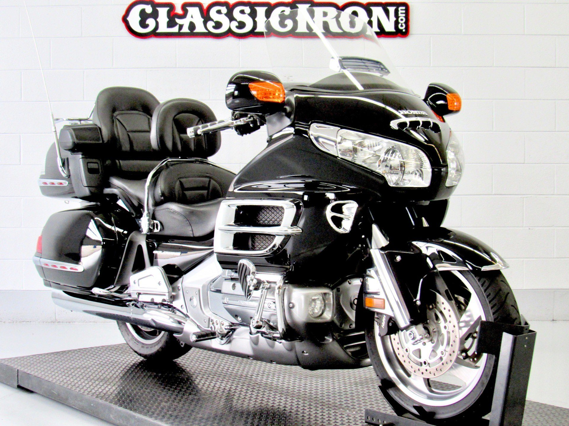 2006 Honda Gold Wing® Premium Audio in Fredericksburg, Virginia - Photo 2