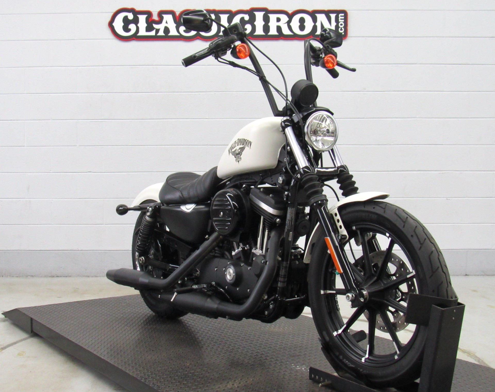2018 Harley-Davidson Iron 883™ in Fredericksburg, Virginia - Photo 2