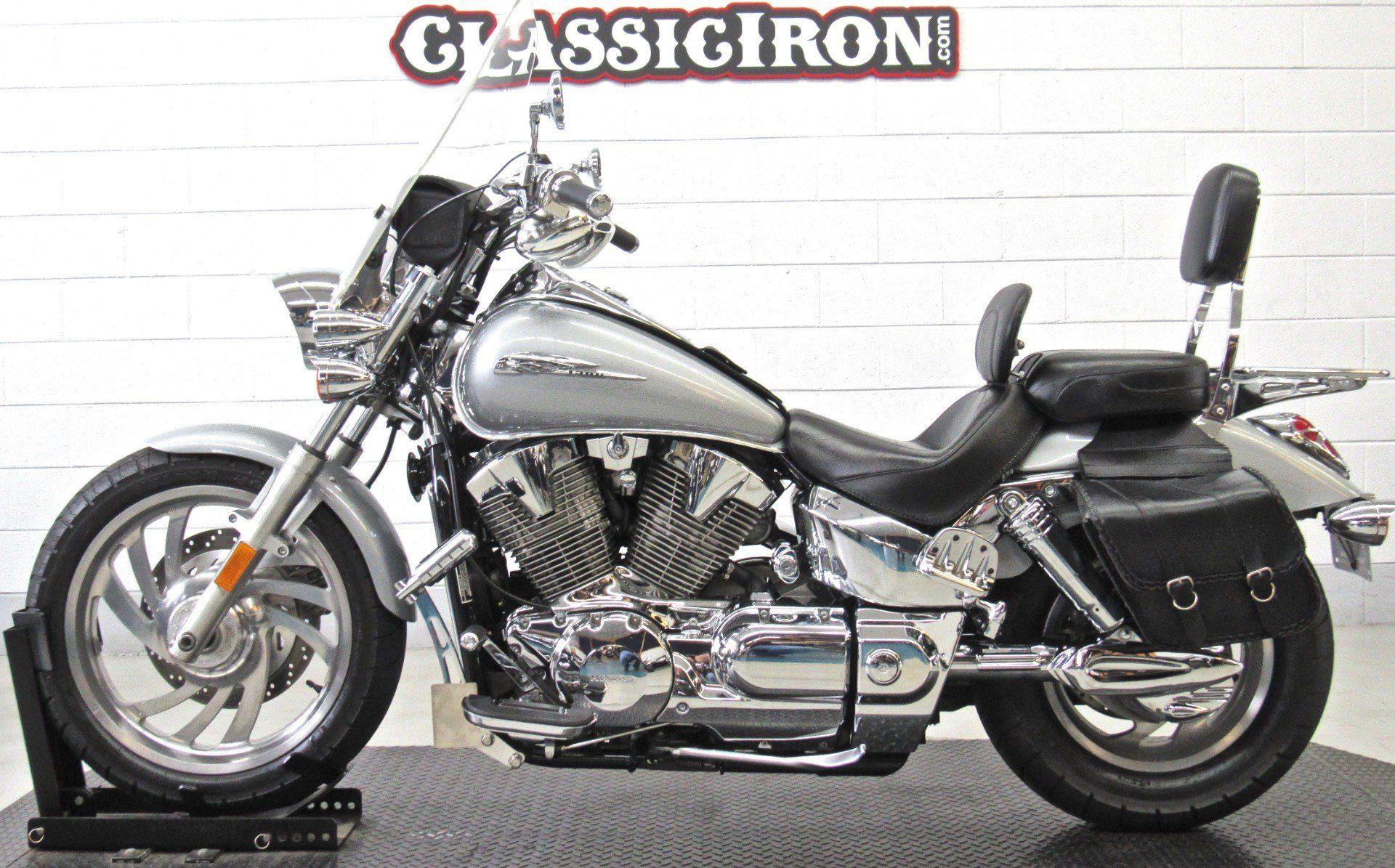 2004 Honda VTX1300C in Fredericksburg, Virginia - Photo 4