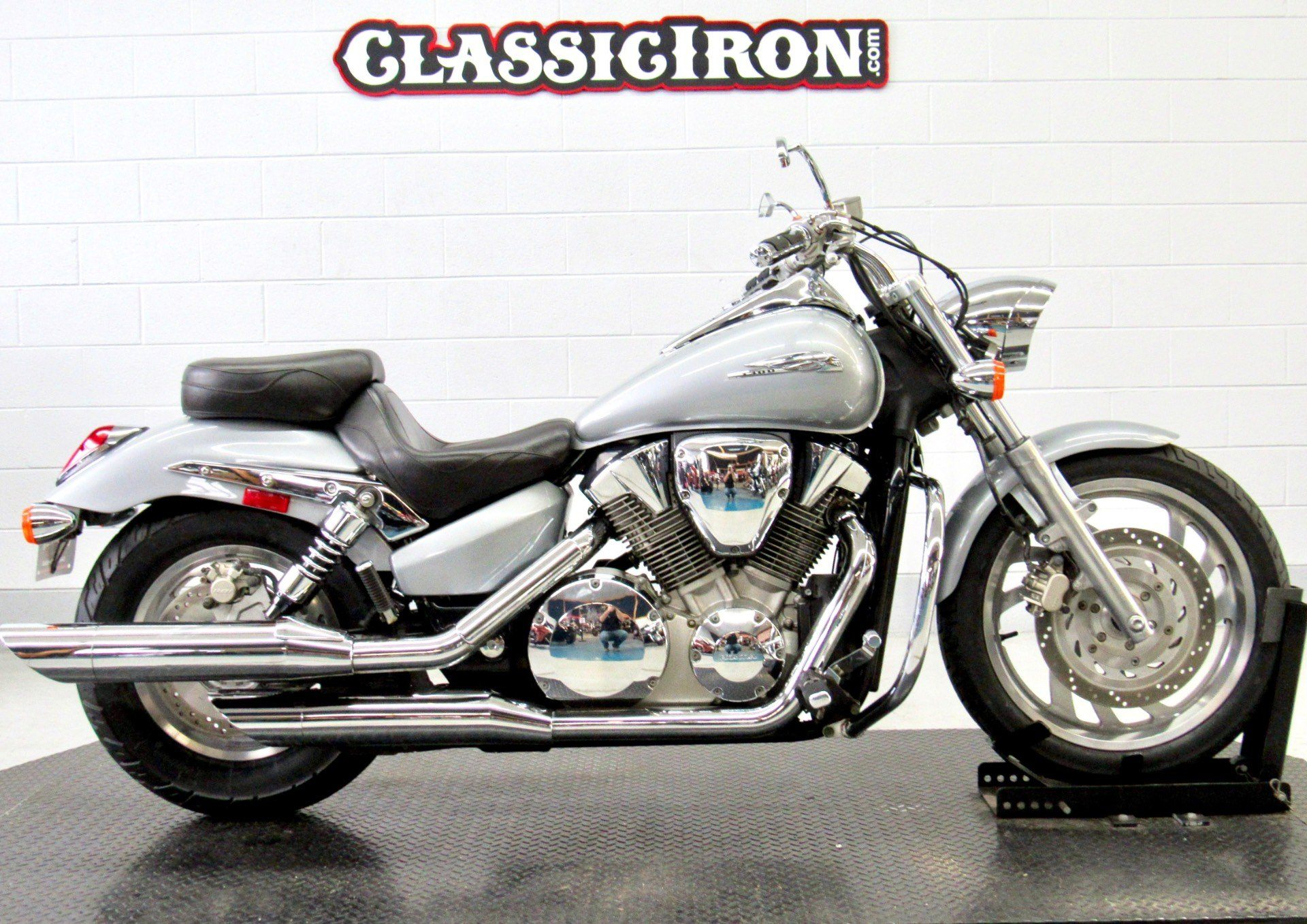 2004 Honda VTX1300C in Fredericksburg, Virginia - Photo 1