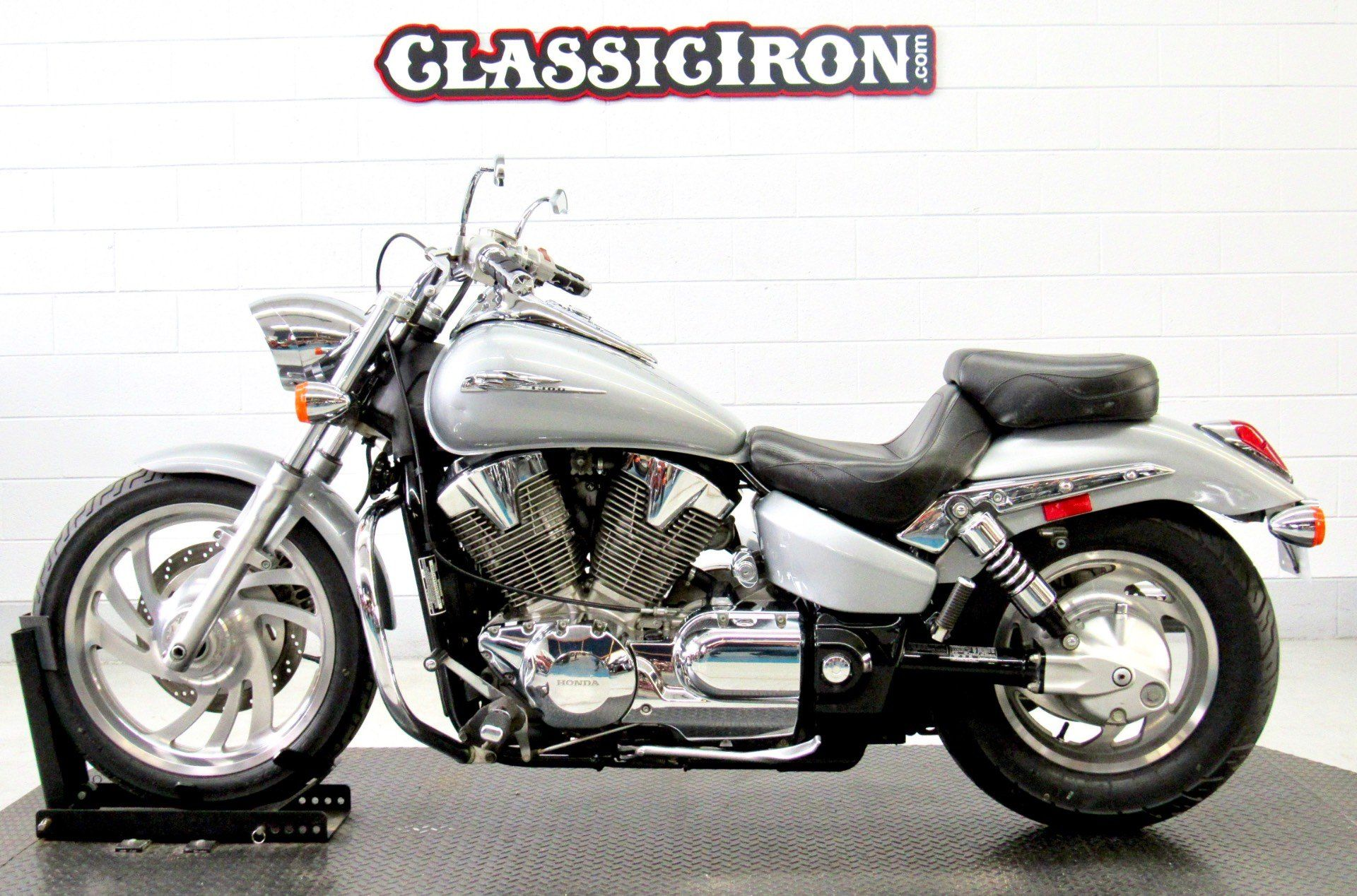 2004 Honda VTX1300C in Fredericksburg, Virginia