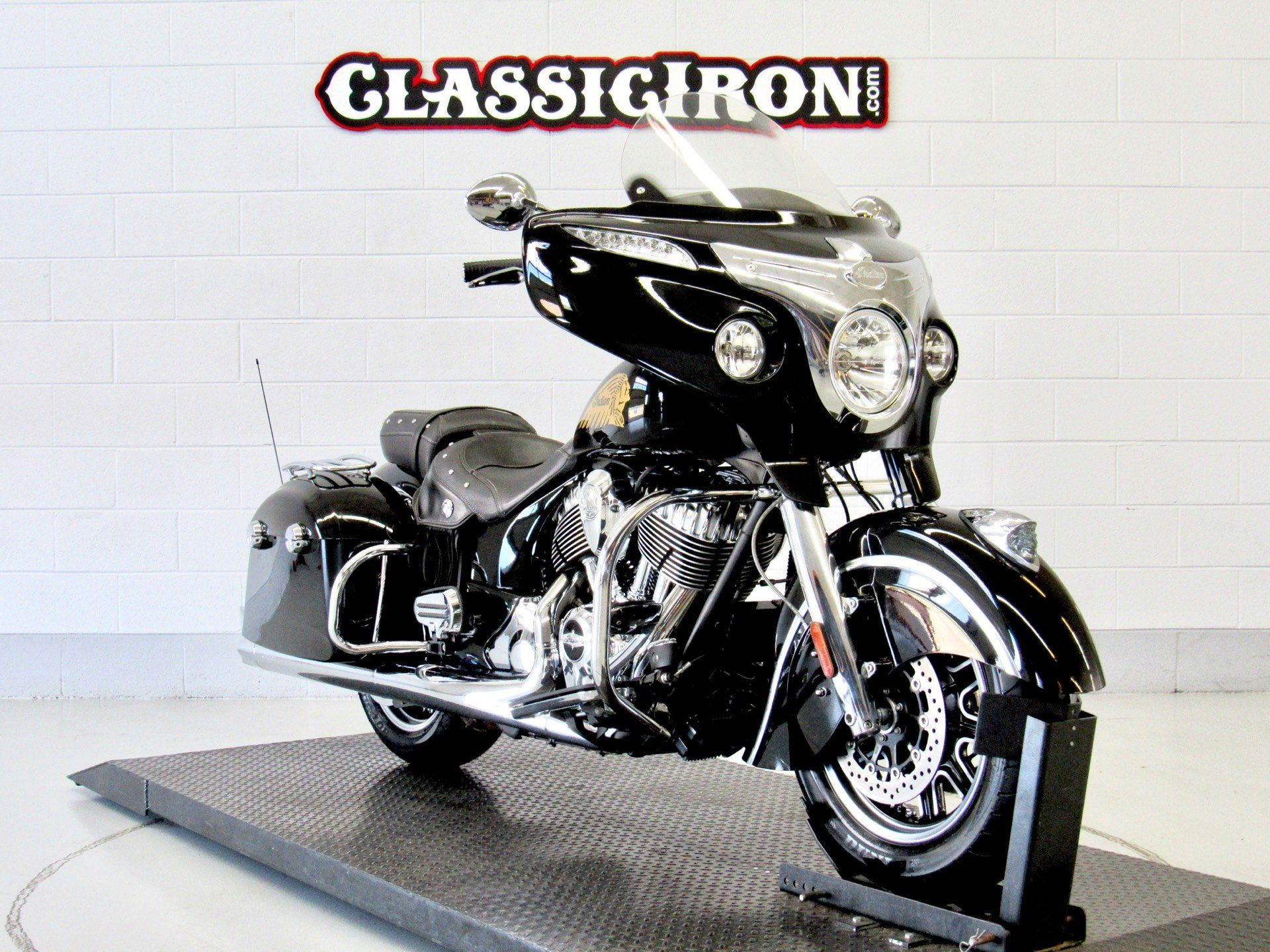 2014 Indian Chieftain™ in Fredericksburg, Virginia - Photo 2