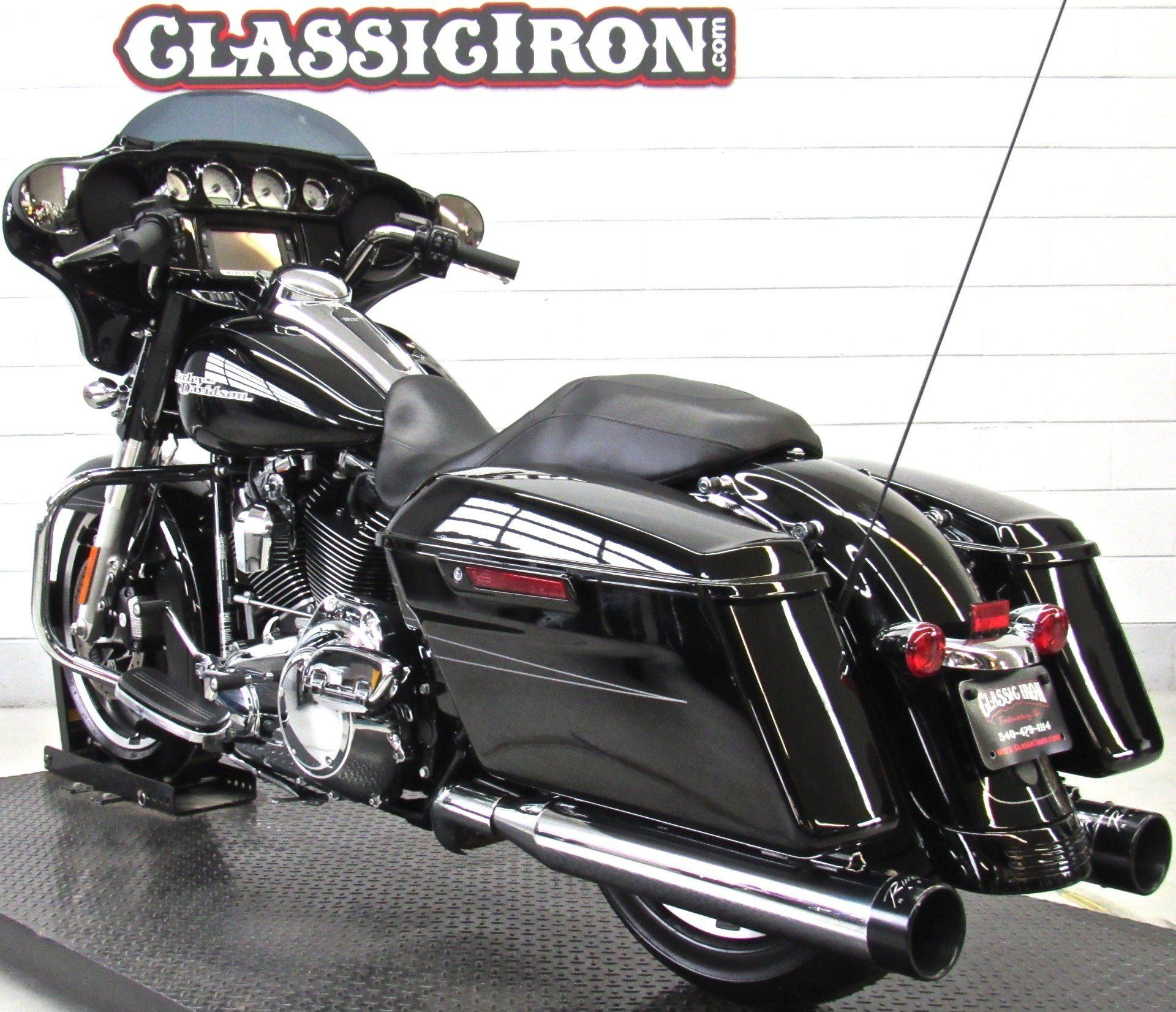 2015 Harley-Davidson Street Glide® Special in Fredericksburg, Virginia - Photo 6