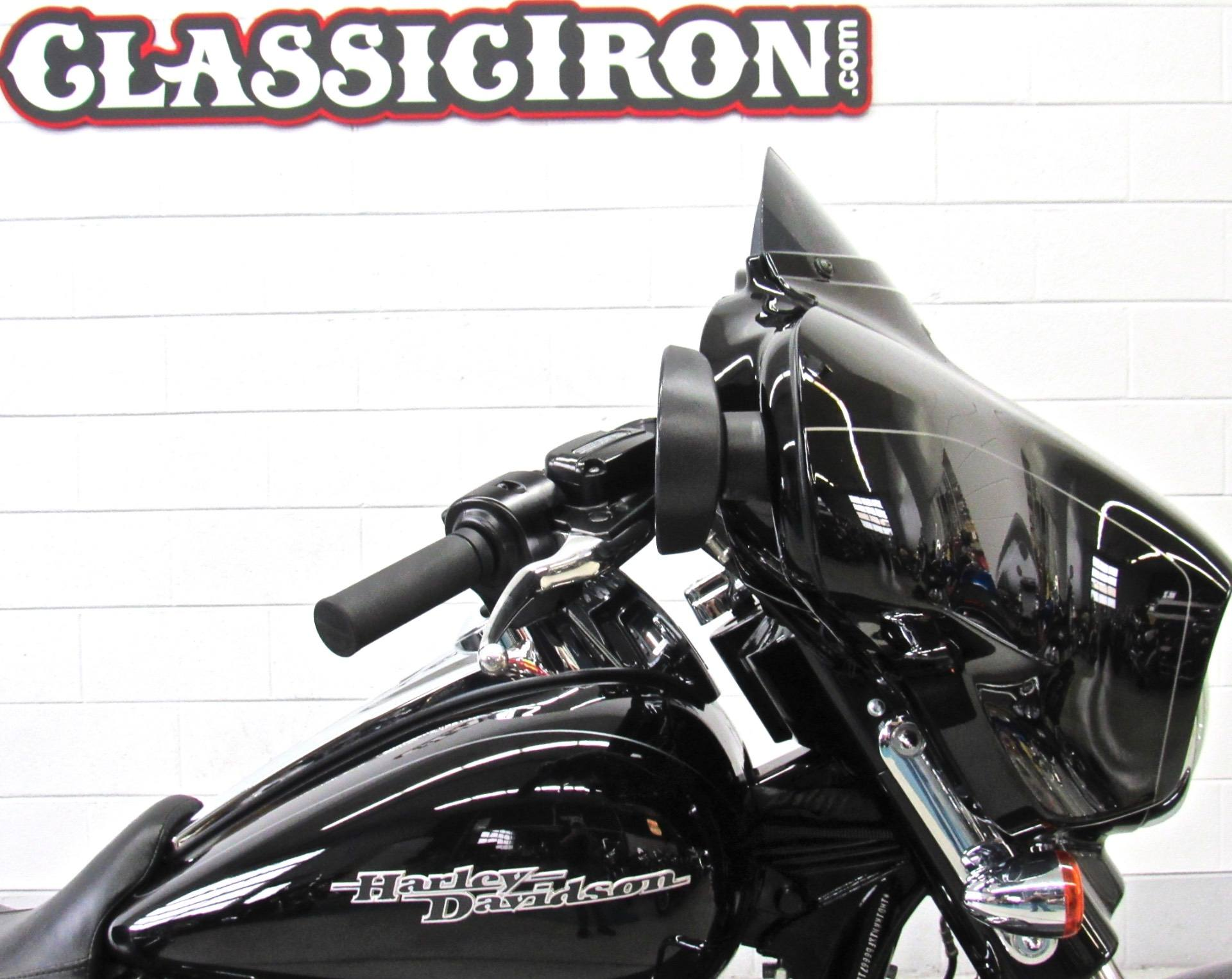 2015 Harley-Davidson Street Glide® Special in Fredericksburg, Virginia - Photo 12