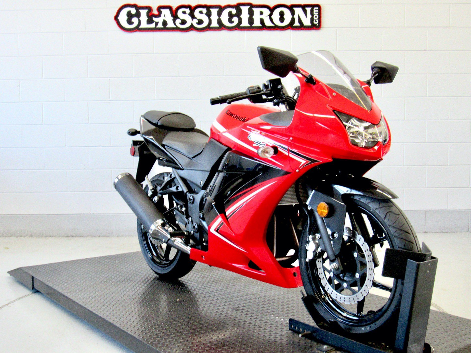 2012 Kawasaki Ninja® 250R in Fredericksburg, Virginia - Photo 2