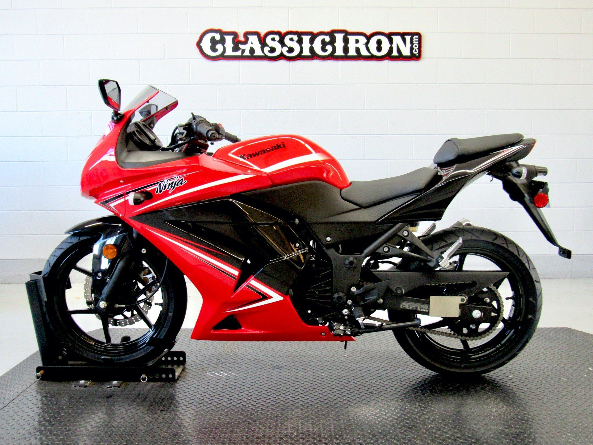 2012 Kawasaki Ninja® 250R in Fredericksburg, Virginia - Photo 4