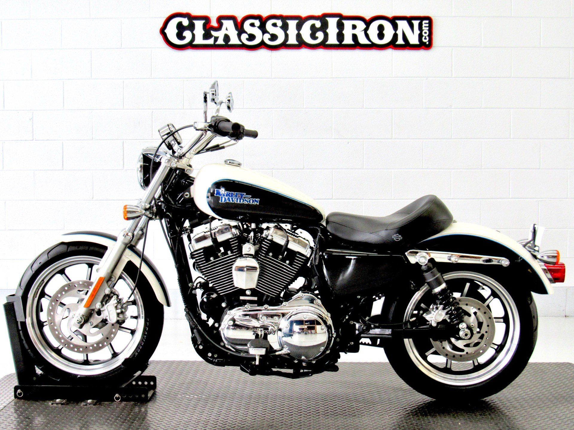 2014 Harley-Davidson SuperLow® 1200T in Fredericksburg, Virginia - Photo 4