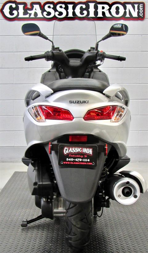 2014 Suzuki Burgman™ 200 ABS in Fredericksburg, Virginia - Photo 9