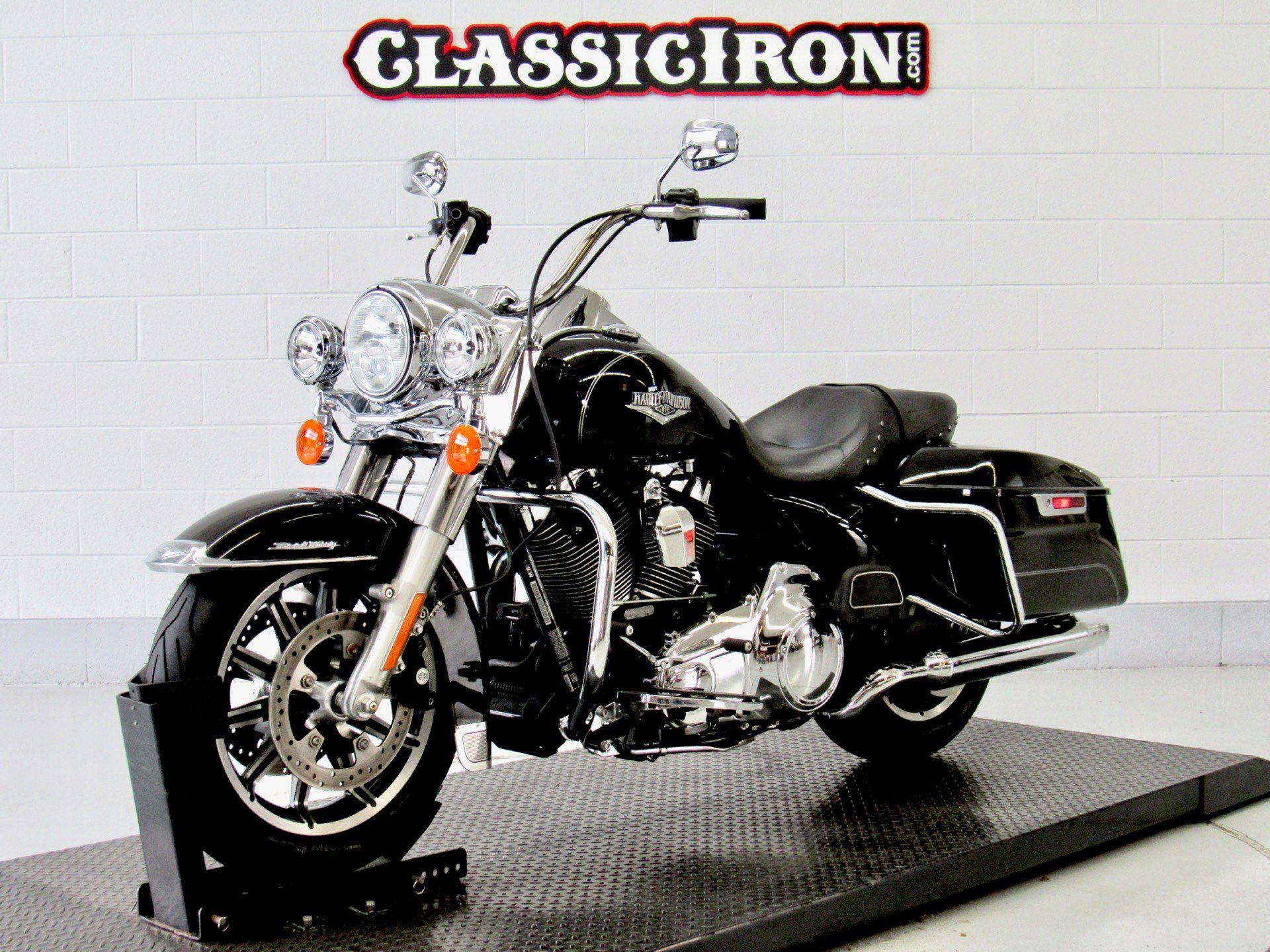 2016 Harley-Davidson Road King® in Fredericksburg, Virginia - Photo 3