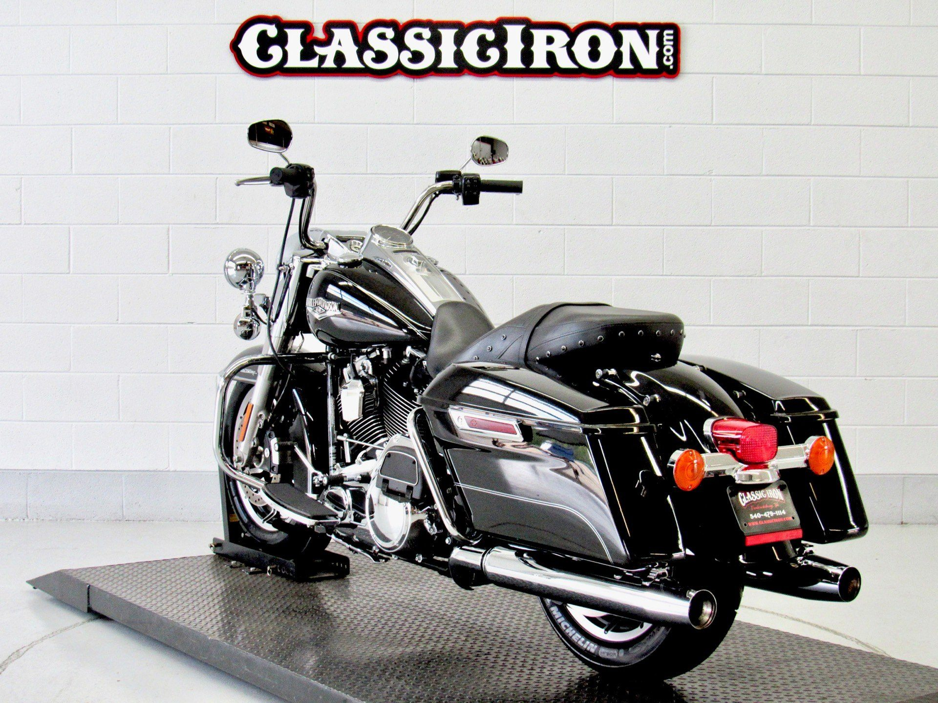 2016 Harley-Davidson Road King® in Fredericksburg, Virginia - Photo 6