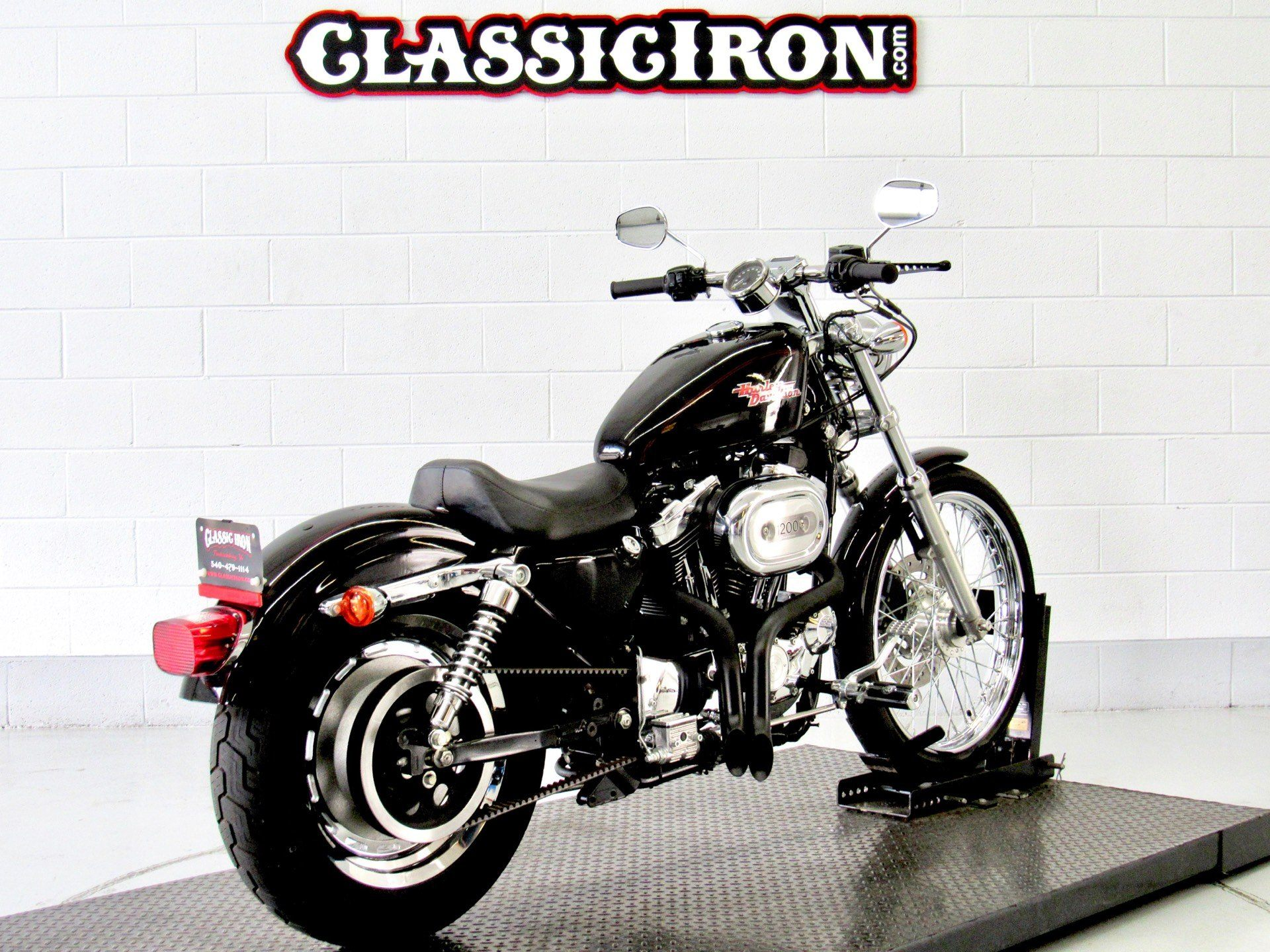 2002 Harley-Davidson XL 1200C Sportster® 1200 Custom in Fredericksburg, Virginia - Photo 5
